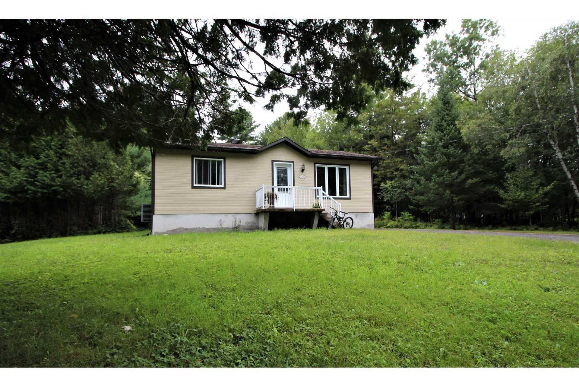 image 22 - House For sale Saint-Lin/Laurentides - 8 rooms