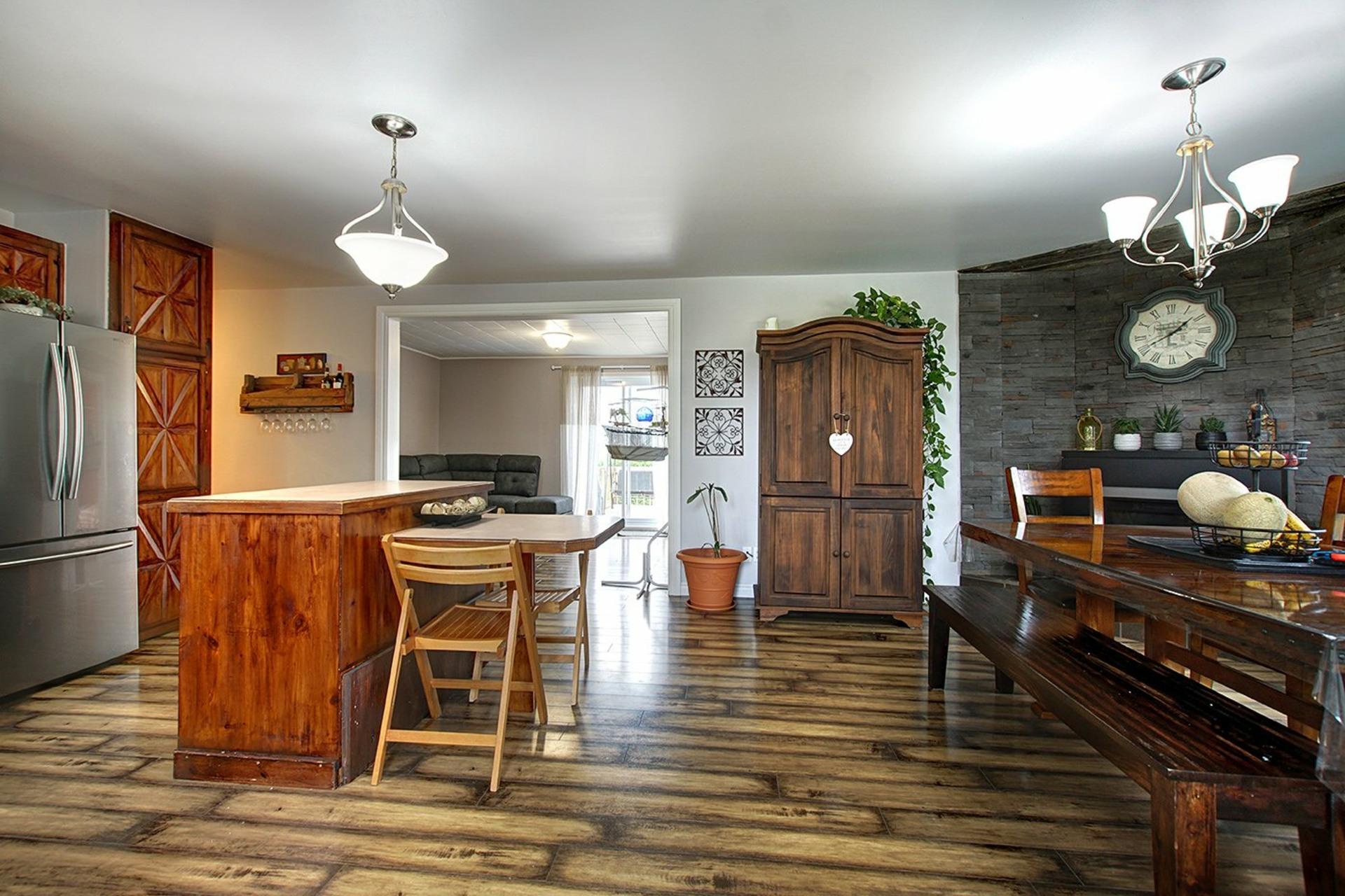 image 5 - House For sale Saint-Roch-de-l'Achigan - 8 rooms