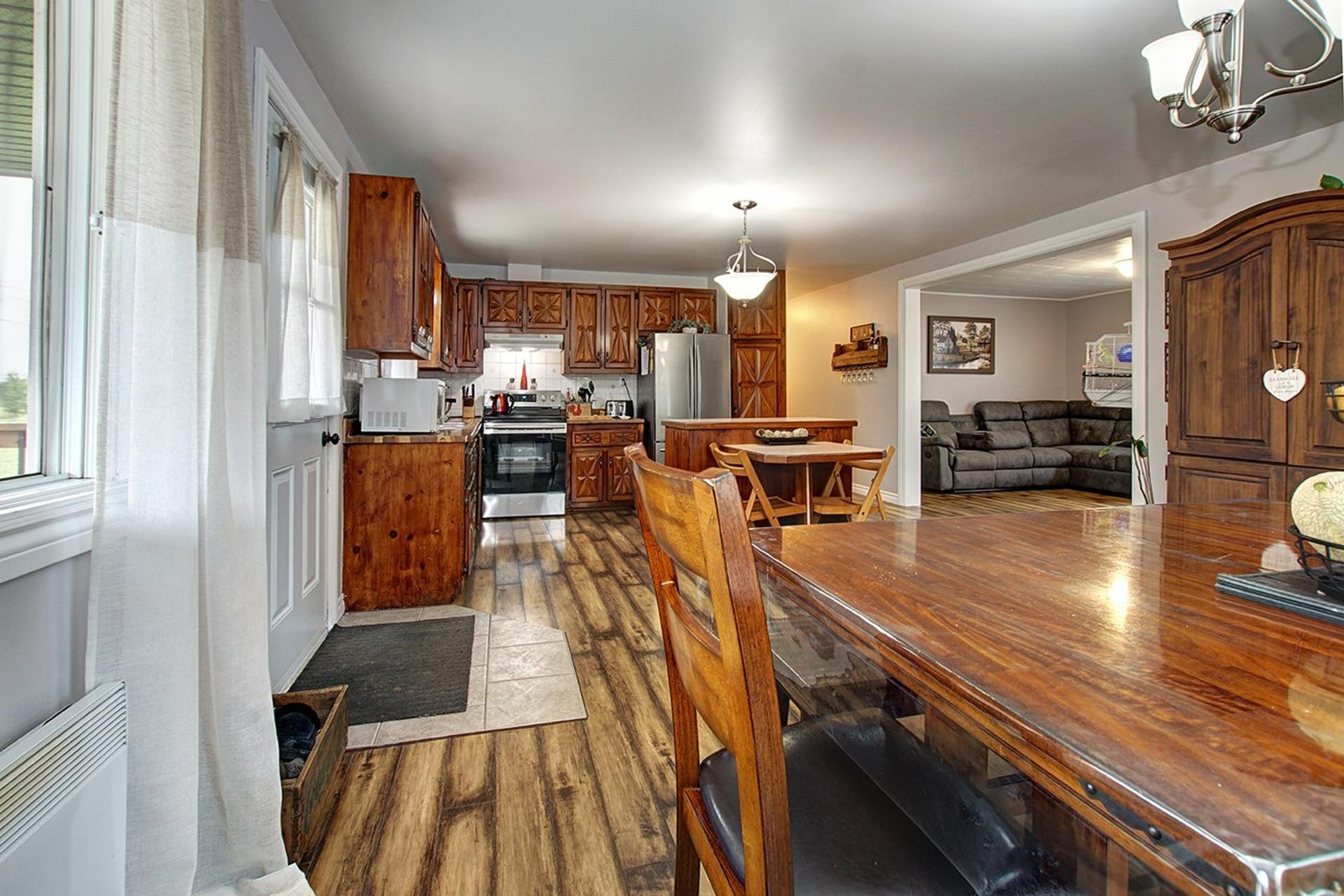 image 9 - House For sale Saint-Roch-de-l'Achigan - 8 rooms