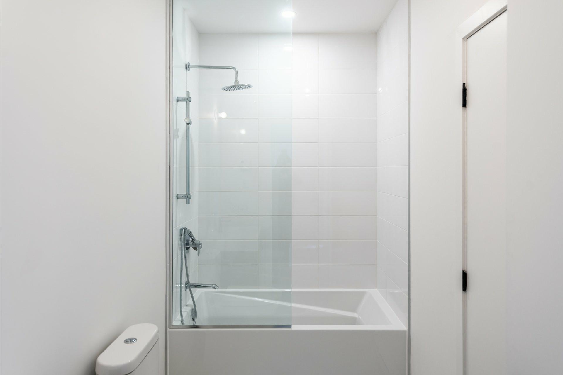 image 13 - Apartment For rent Villeray/Saint-Michel/Parc-Extension Montréal  - 5 rooms