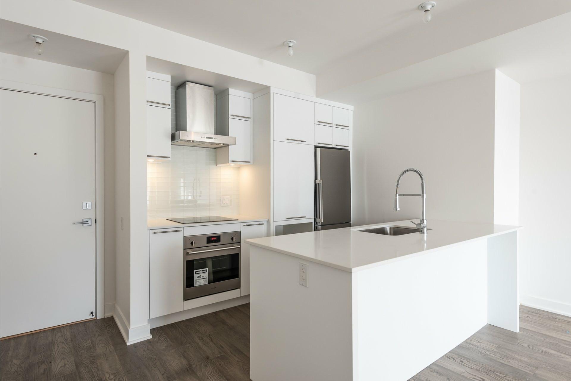 image 4 - Apartment For rent Villeray/Saint-Michel/Parc-Extension Montréal  - 5 rooms