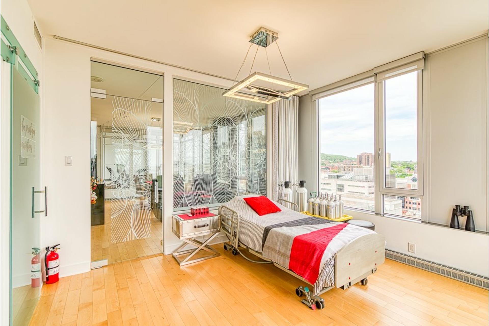 image 30 - Appartement À vendre Ville-Marie Montréal  - 7 pièces