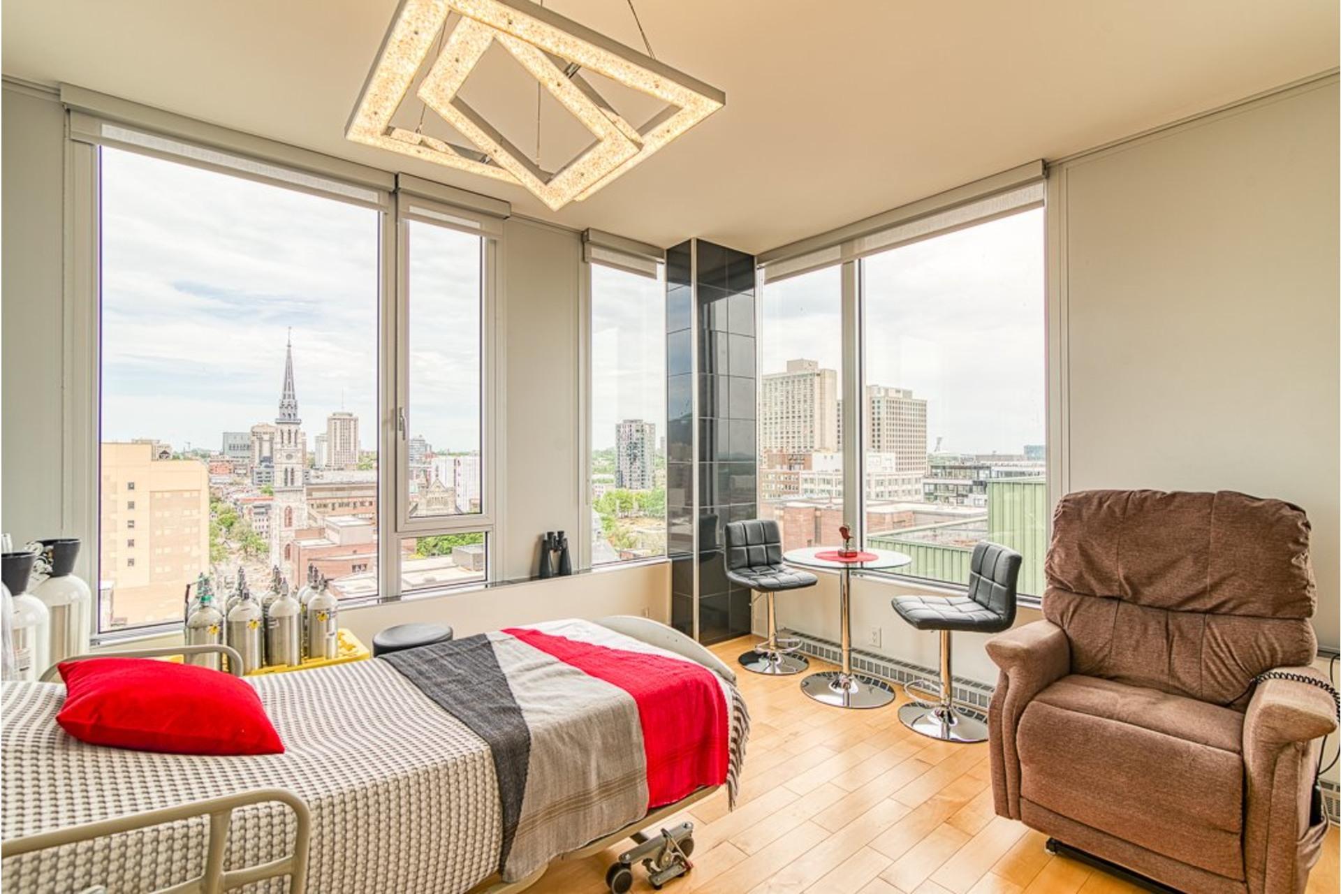 image 33 - Appartement À vendre Ville-Marie Montréal  - 7 pièces