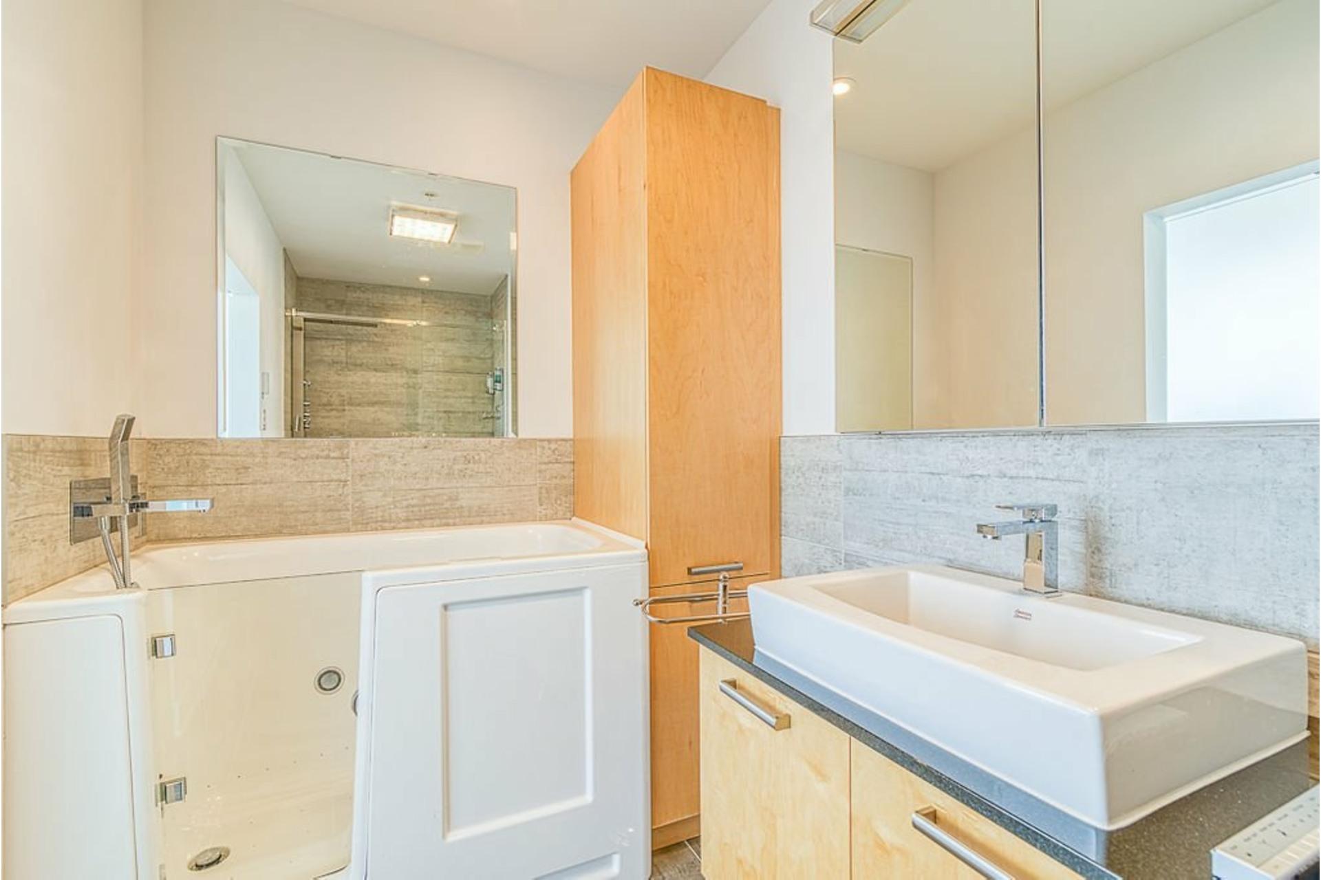 image 40 - Appartement À vendre Ville-Marie Montréal  - 7 pièces