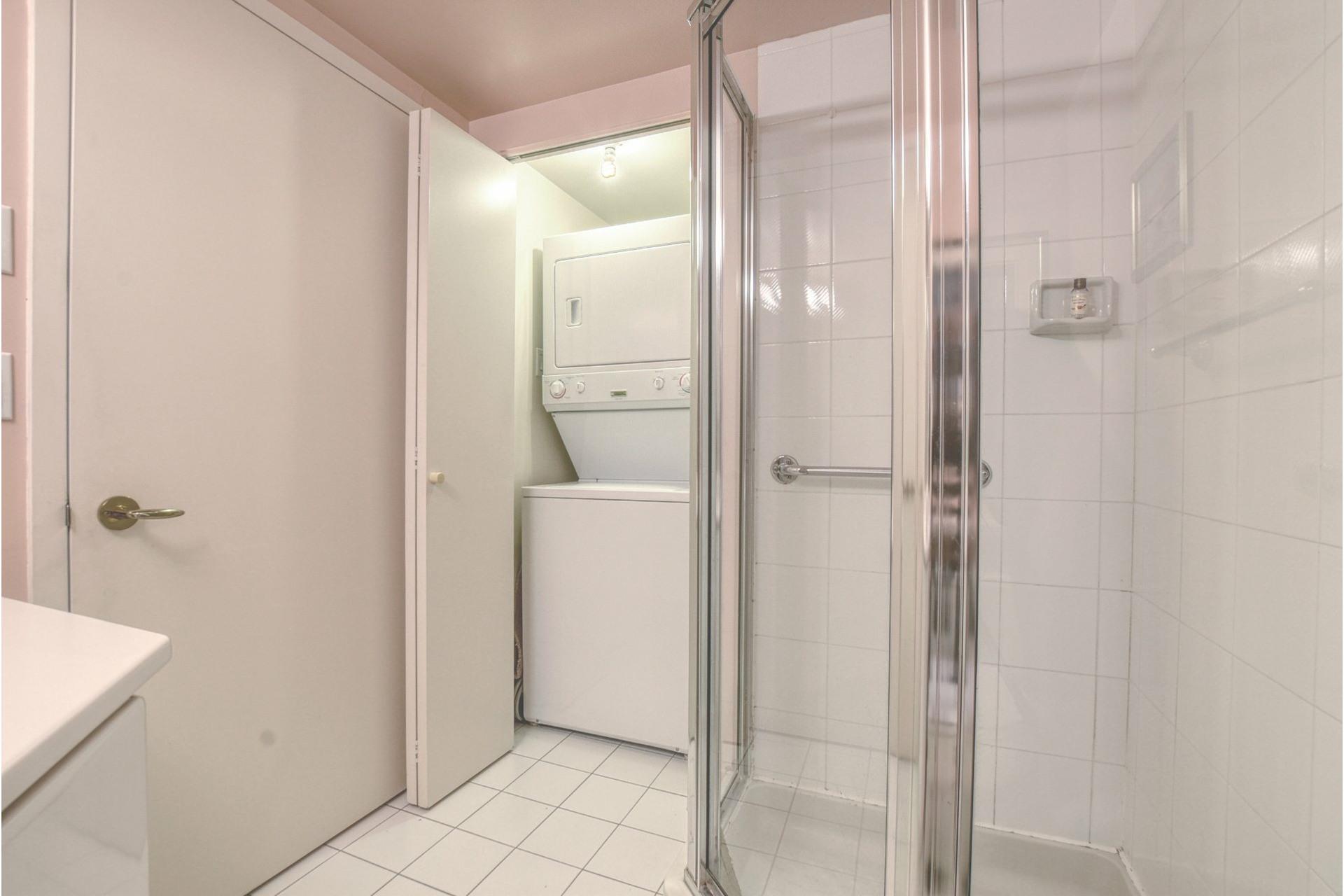 image 16 - Appartement À vendre Montréal-Nord Montréal  - 5 pièces