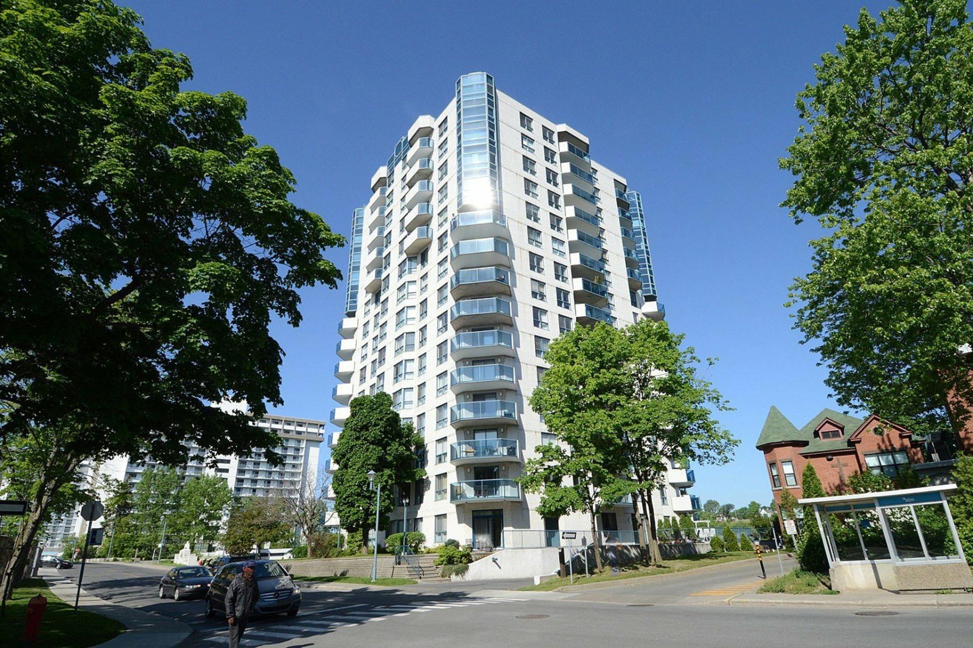 image 0 - Appartement À vendre Montréal-Nord Montréal  - 5 pièces