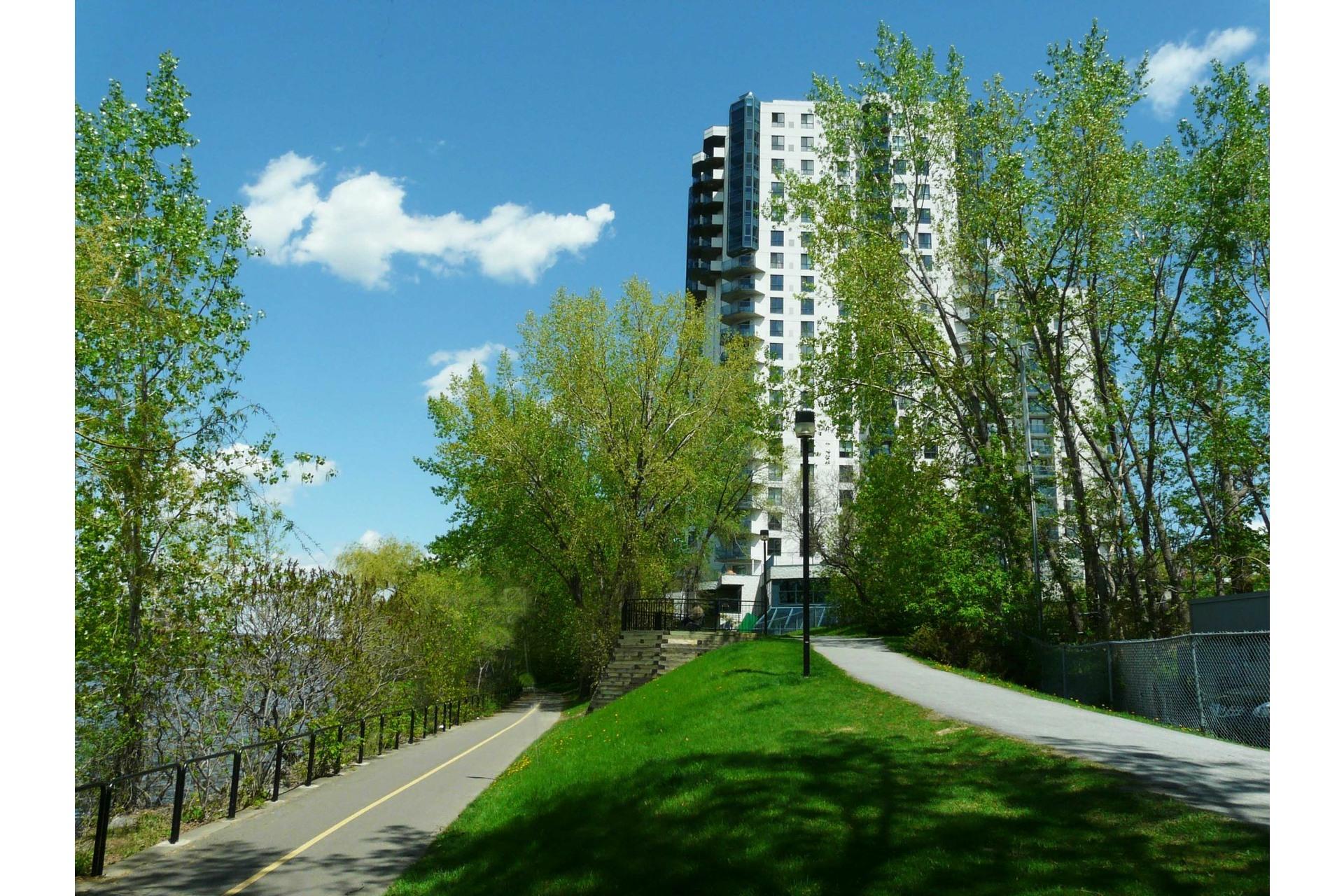image 22 - Appartement À vendre Montréal-Nord Montréal  - 5 pièces