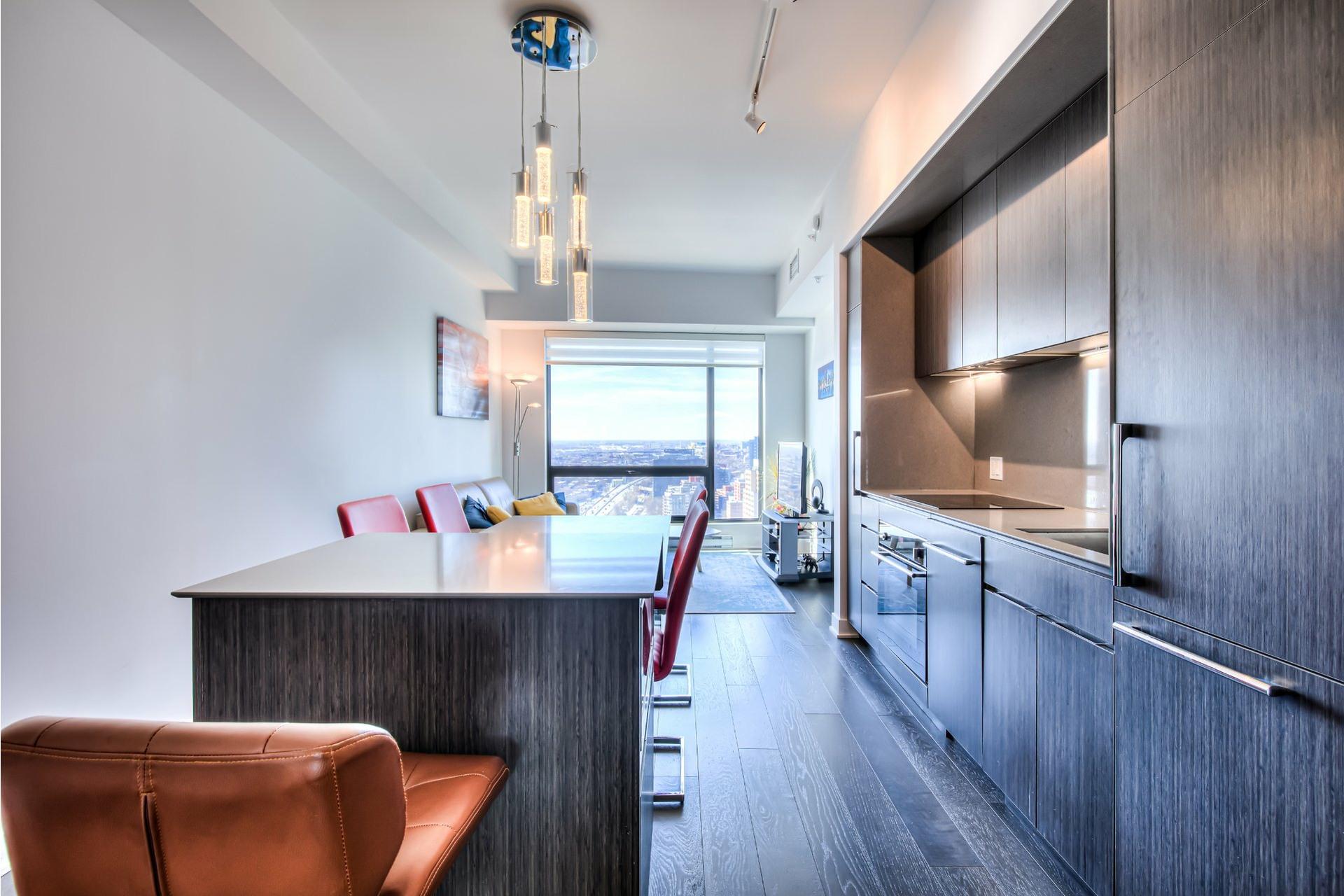 image 7 - Appartement À vendre Ville-Marie Montréal  - 5 pièces