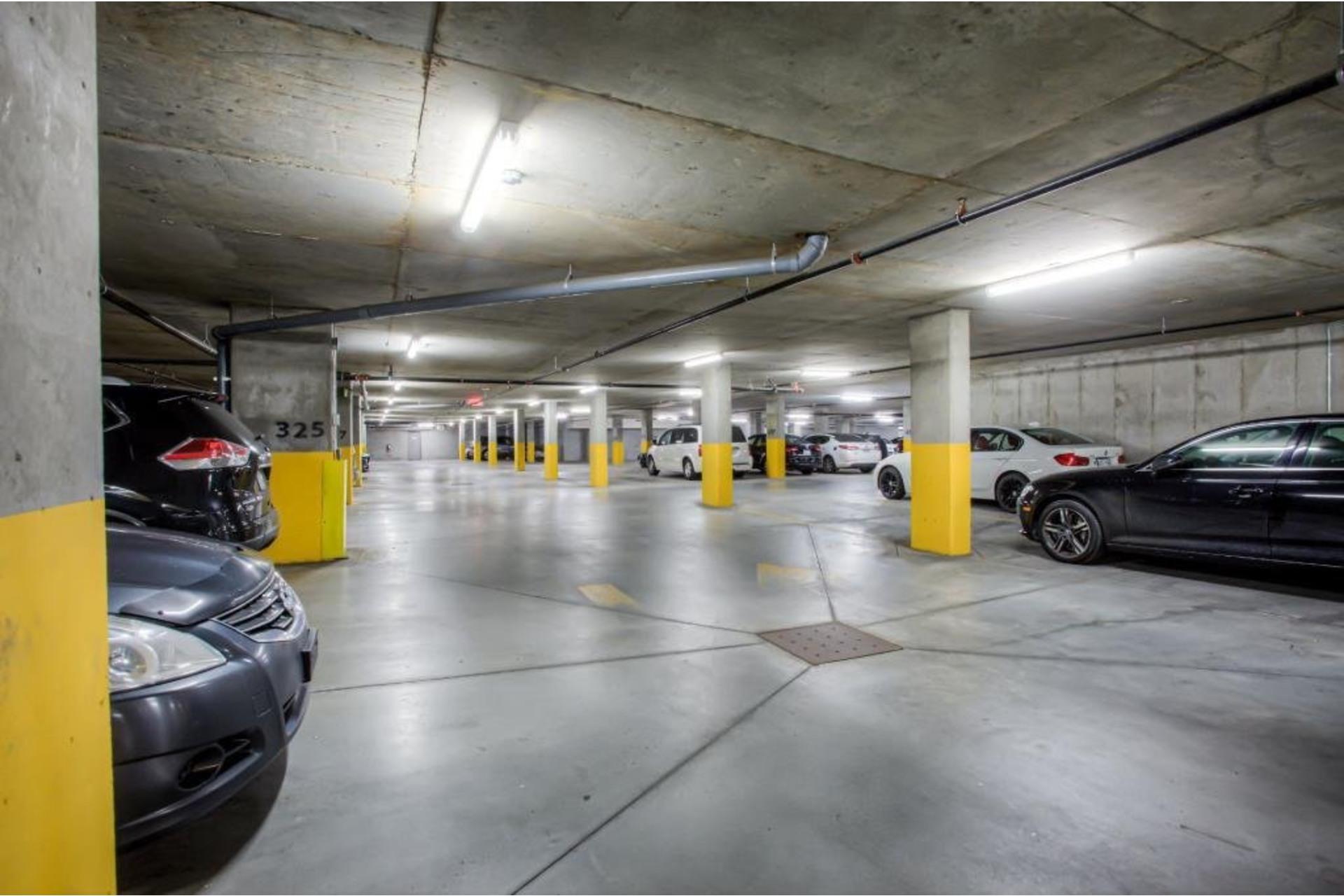 image 14 - Appartement À louer Ahuntsic-Cartierville Montréal  - 4 pièces