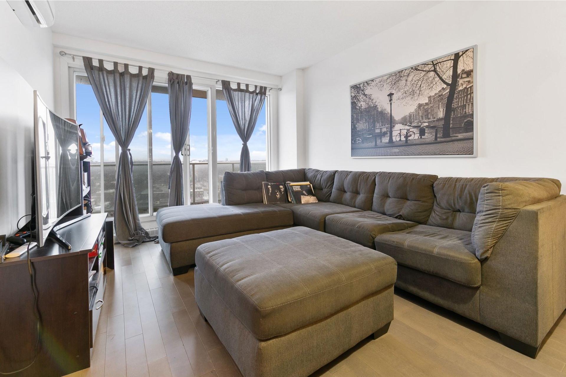 image 1 - Appartement À louer Ahuntsic-Cartierville Montréal  - 4 pièces