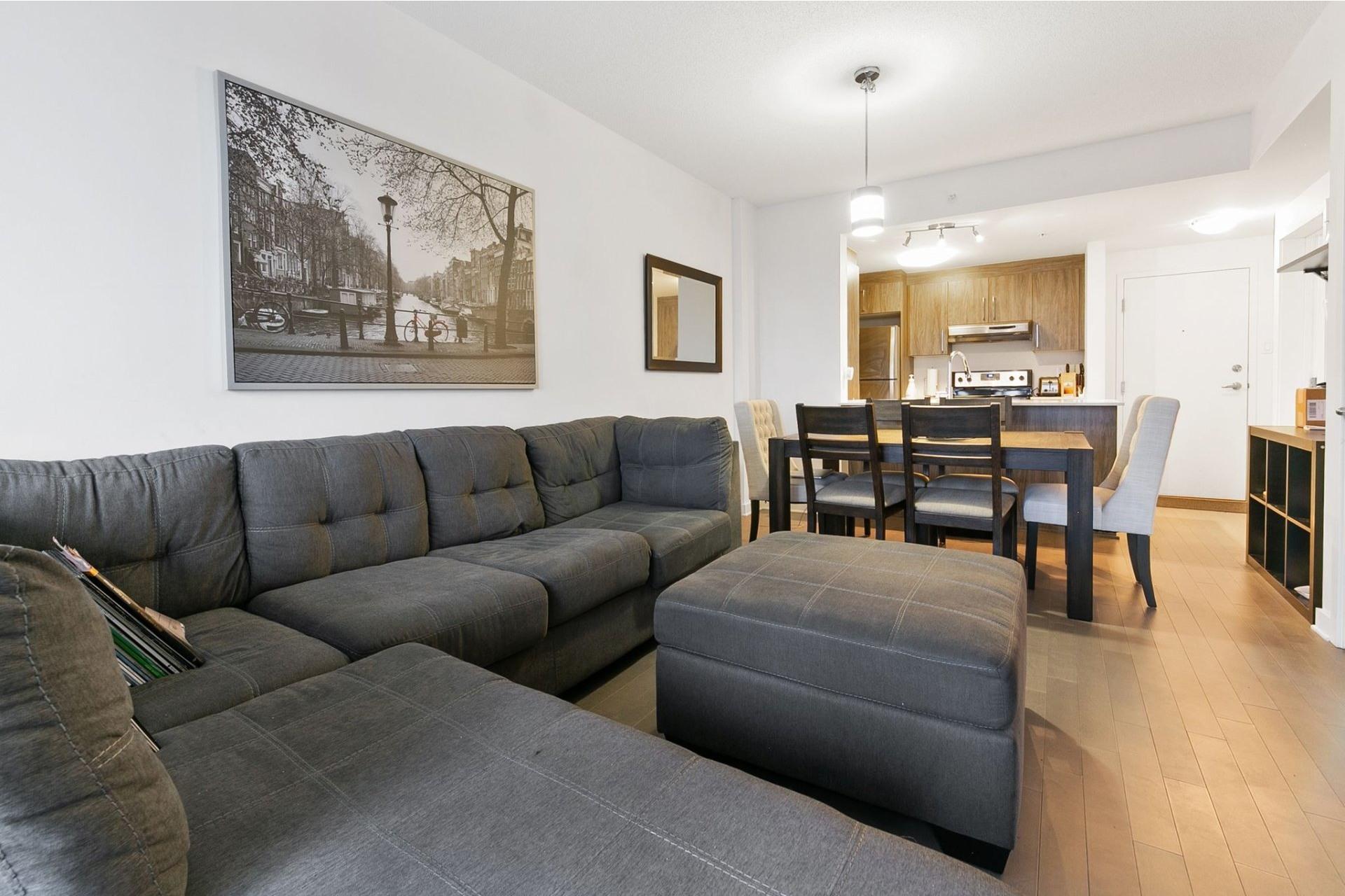 image 2 - Appartement À louer Ahuntsic-Cartierville Montréal  - 4 pièces