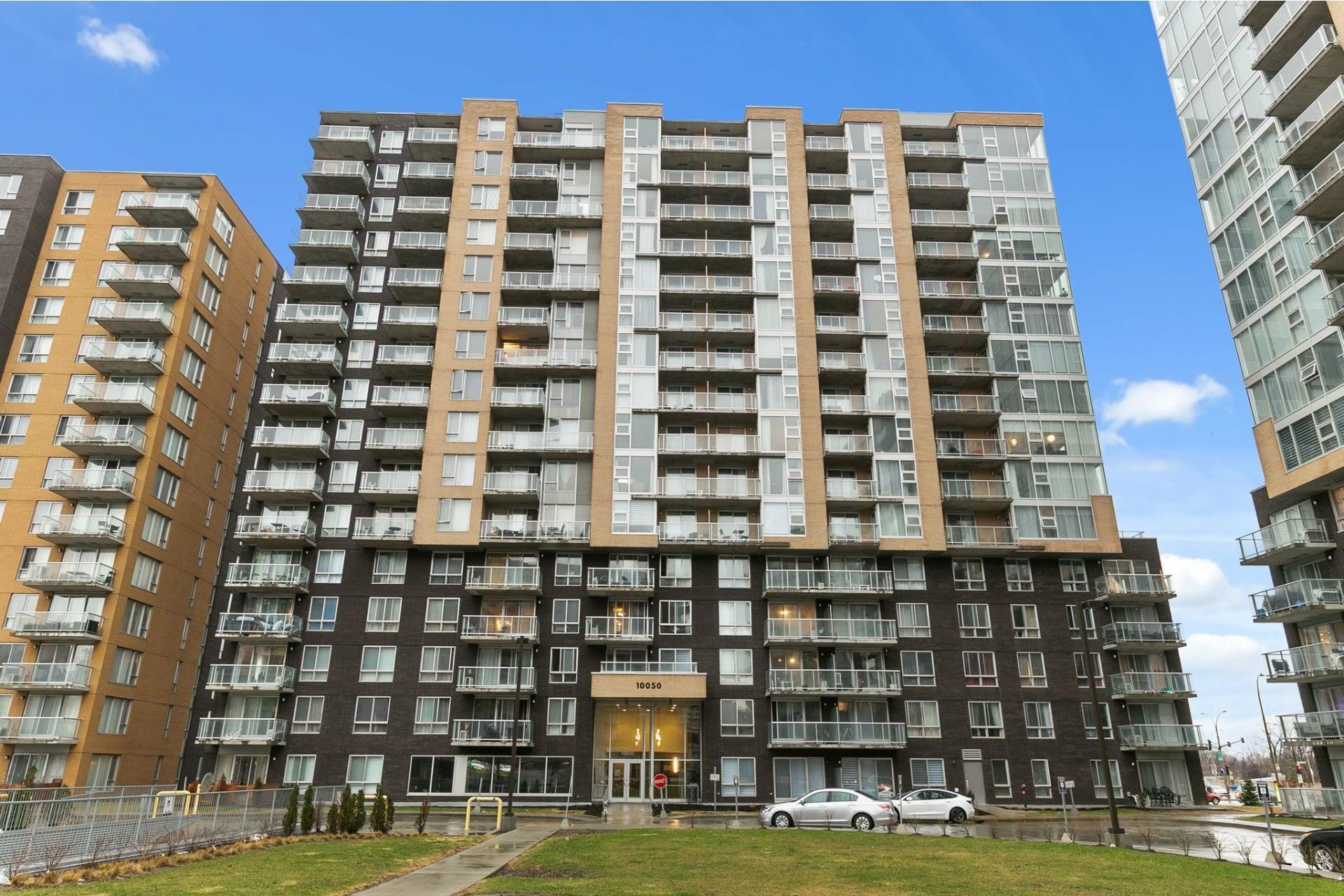 image 0 - Appartement À louer Ahuntsic-Cartierville Montréal  - 4 pièces