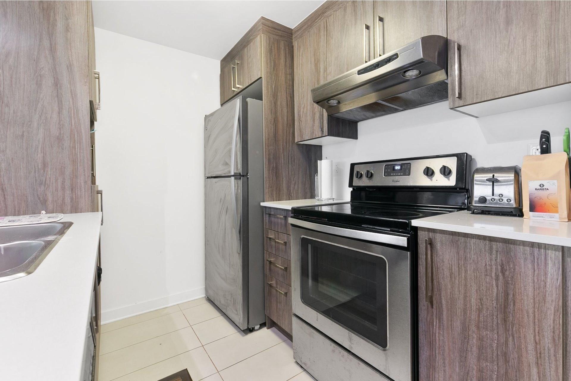 image 5 - Appartement À louer Ahuntsic-Cartierville Montréal  - 4 pièces