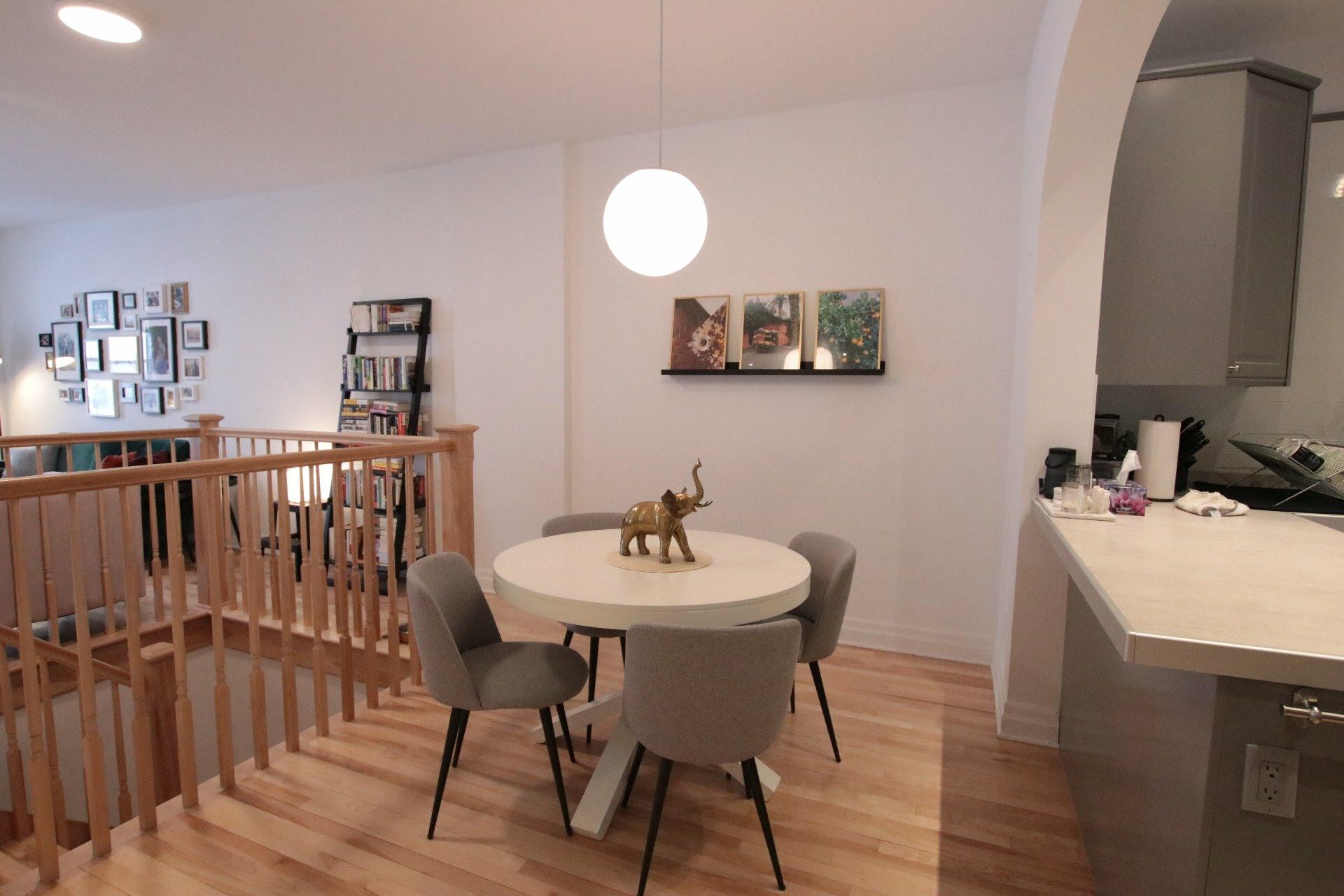 image 16 - Appartement À louer Côte-des-Neiges/Notre-Dame-de-Grâce Montréal  - 7 pièces