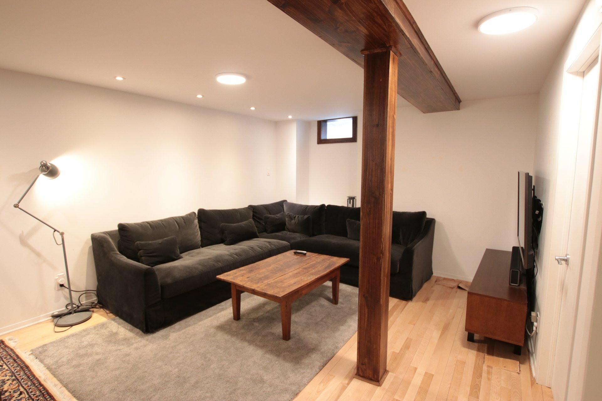 image 17 - Appartement À louer Côte-des-Neiges/Notre-Dame-de-Grâce Montréal  - 7 pièces