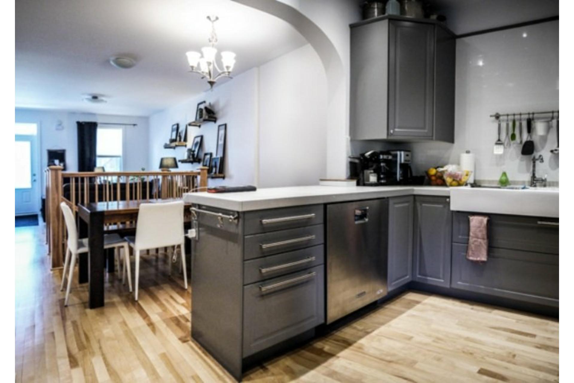 image 7 - Appartement À louer Côte-des-Neiges/Notre-Dame-de-Grâce Montréal  - 7 pièces