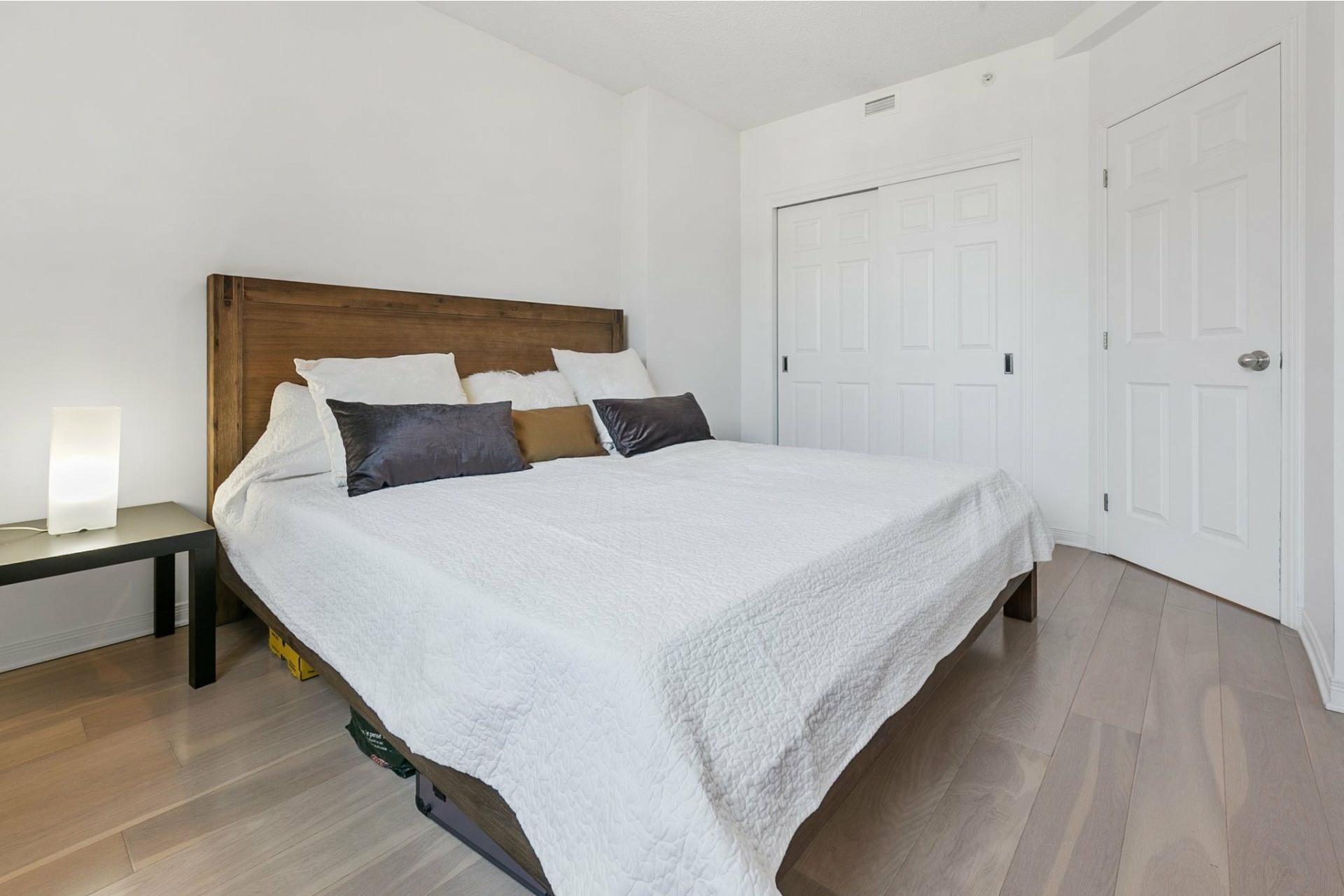 image 8 - Appartement À vendre Côte-des-Neiges/Notre-Dame-de-Grâce Montréal  - 6 pièces