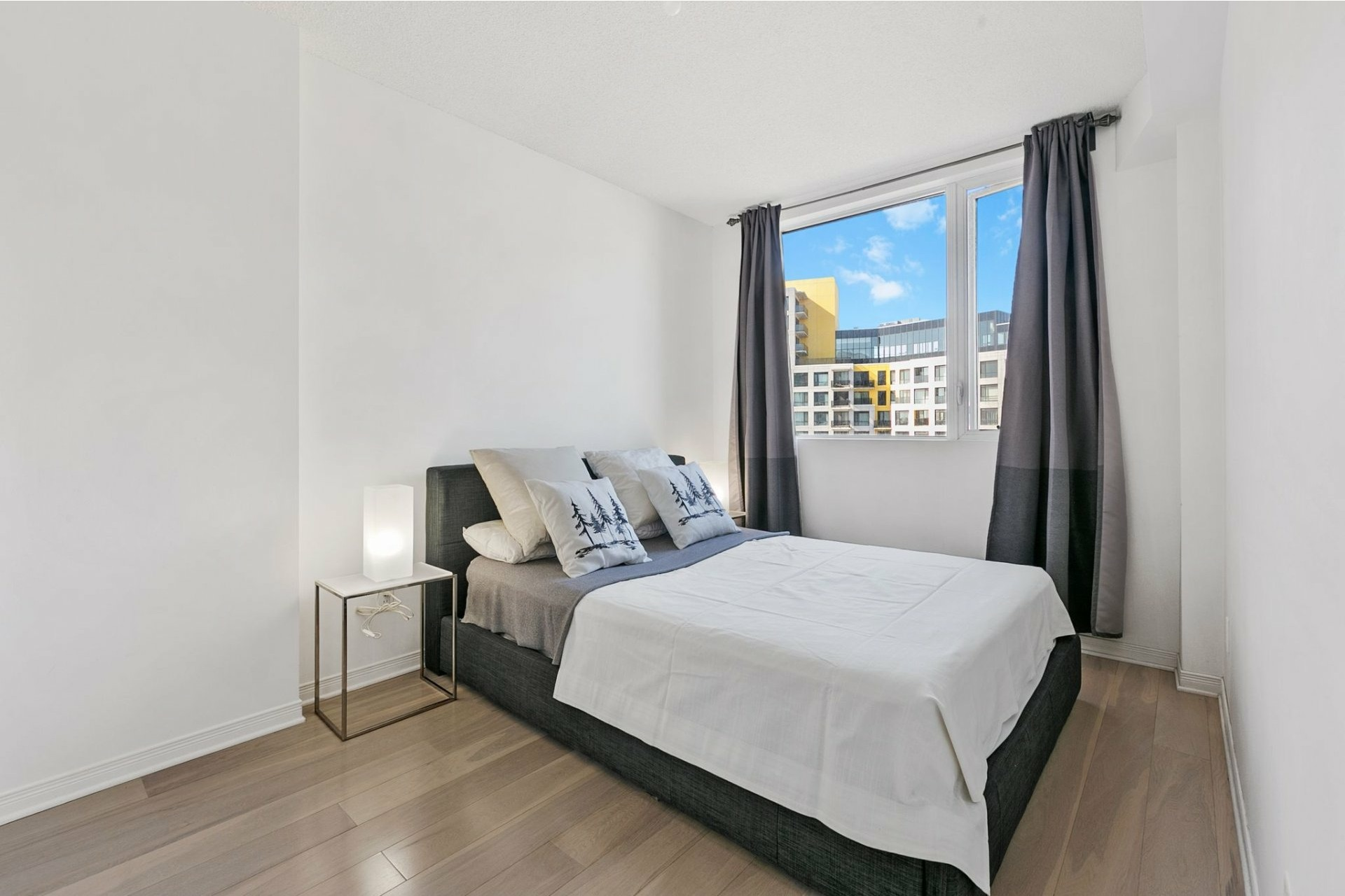 image 11 - Appartement À vendre Côte-des-Neiges/Notre-Dame-de-Grâce Montréal  - 6 pièces