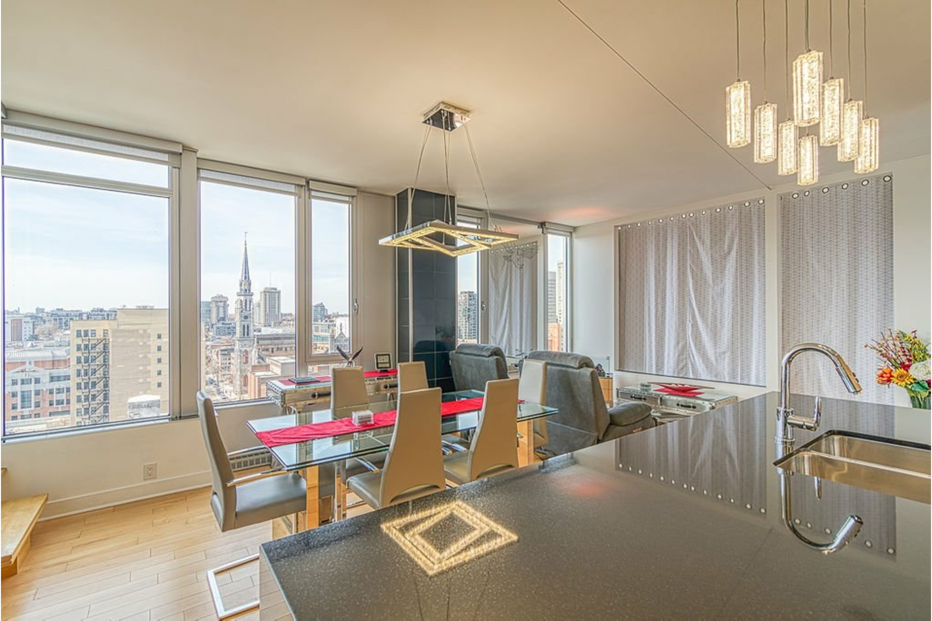 Apartment For sale Ville-Marie Montréal  - 7 rooms