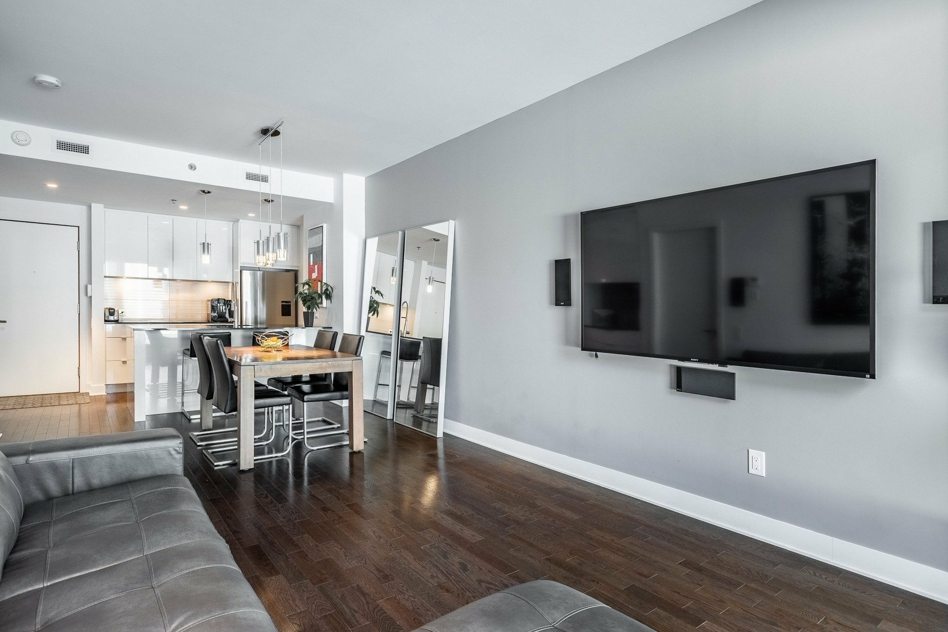 image 8 - Appartement À louer Le Sud-Ouest Montréal  - 9 pièces