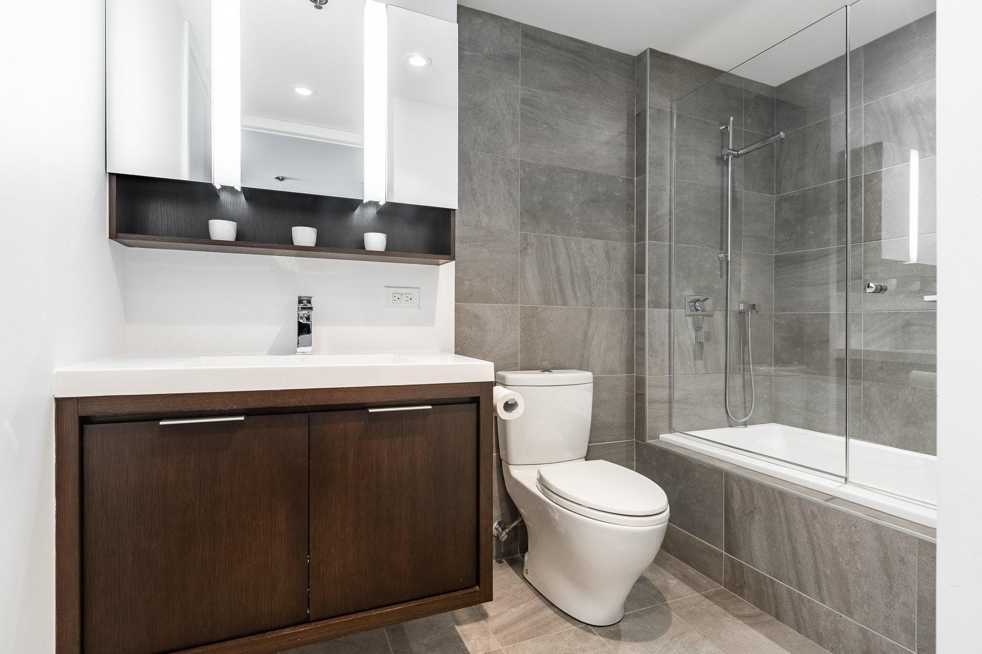 image 12 - Appartement À louer Le Sud-Ouest Montréal  - 9 pièces
