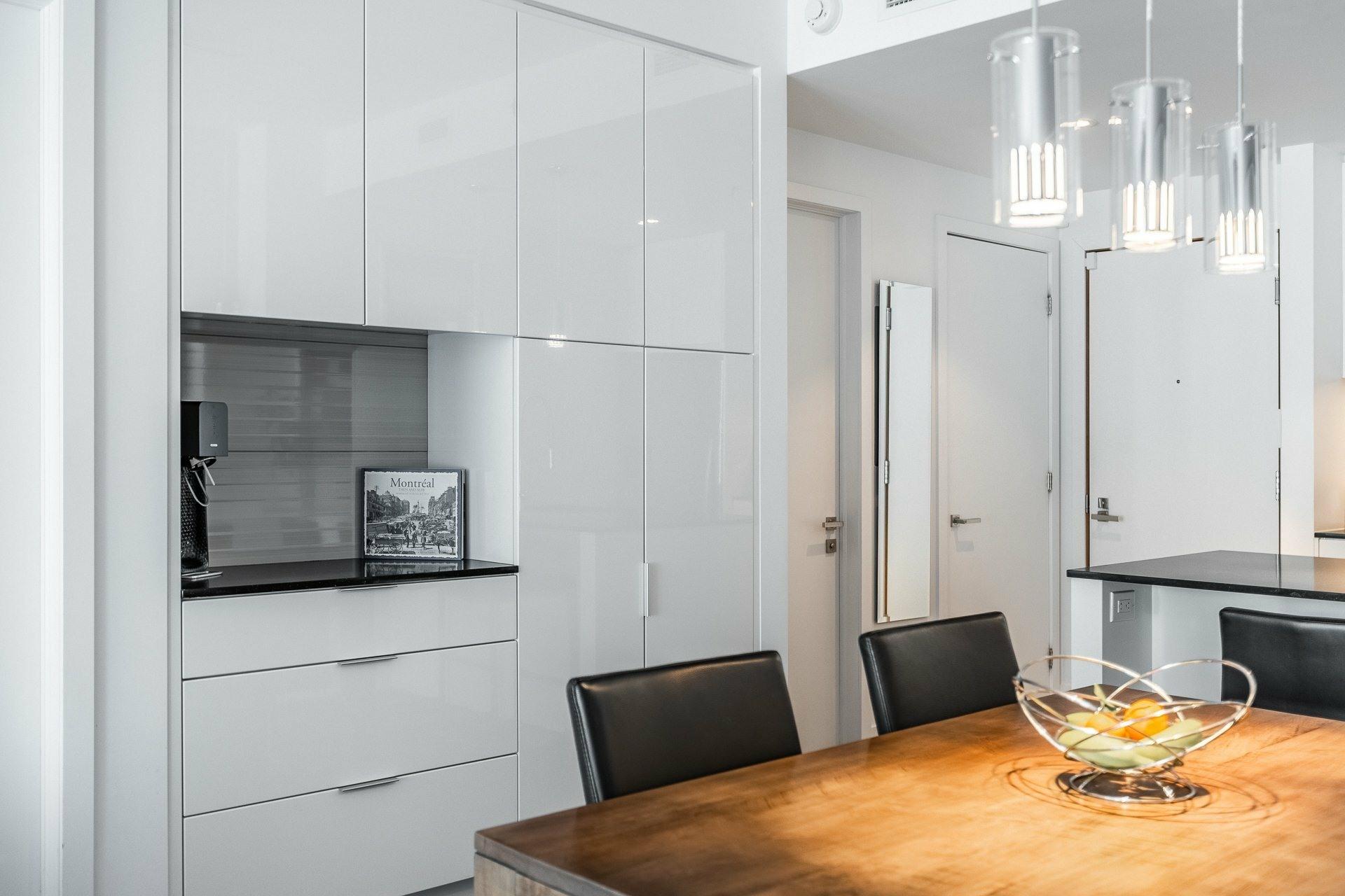 image 10 - Appartement À louer Le Sud-Ouest Montréal  - 9 pièces