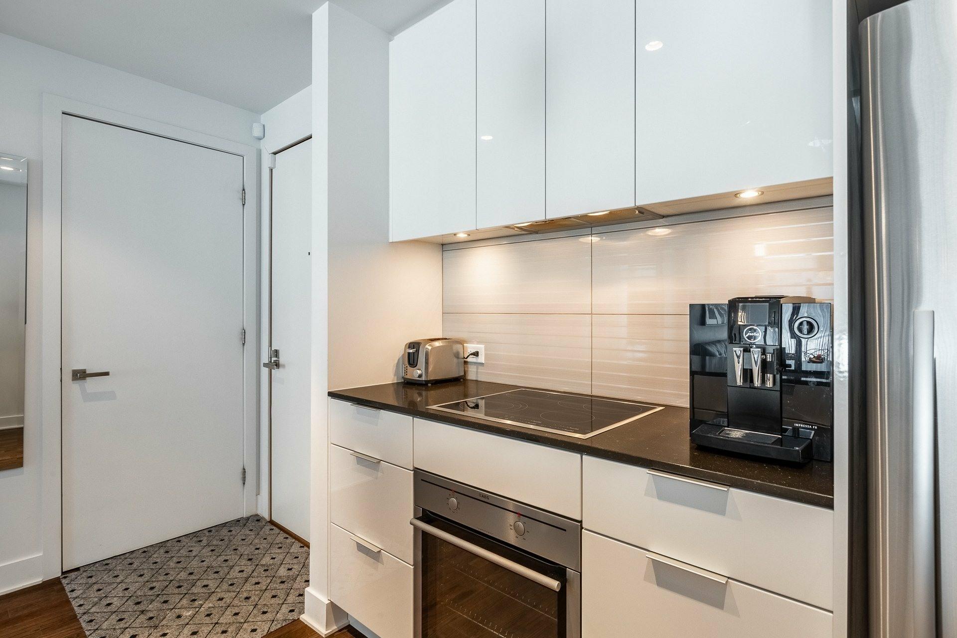 image 9 - Appartement À louer Le Sud-Ouest Montréal  - 9 pièces