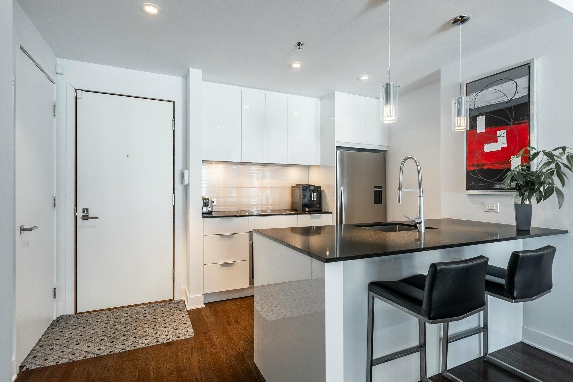 image 3 - Appartement À louer Le Sud-Ouest Montréal  - 9 pièces