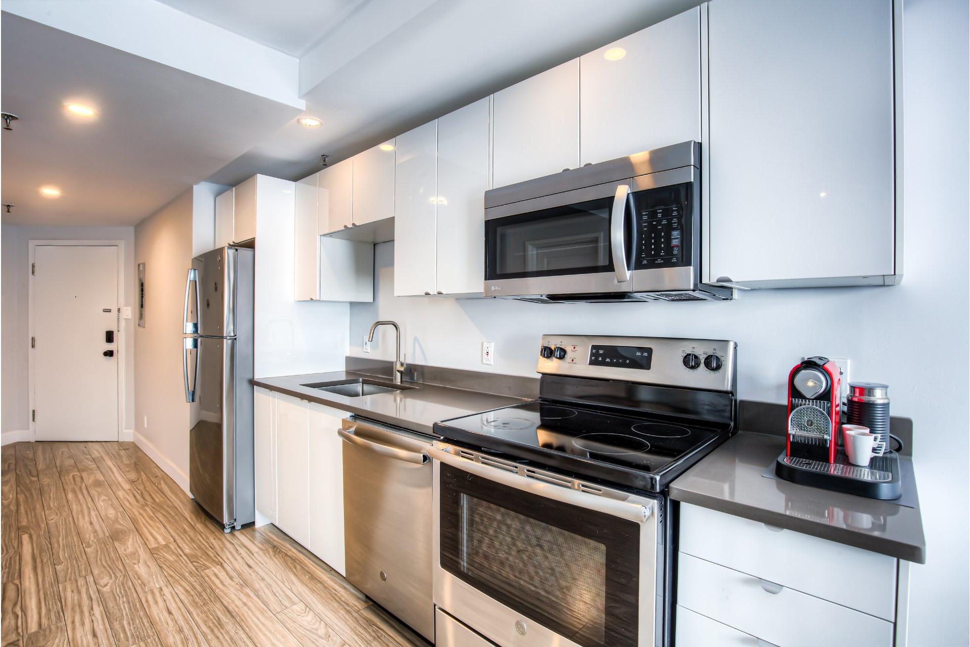 image 7 - Apartment For sale Ville-Marie Montréal  - 5 rooms