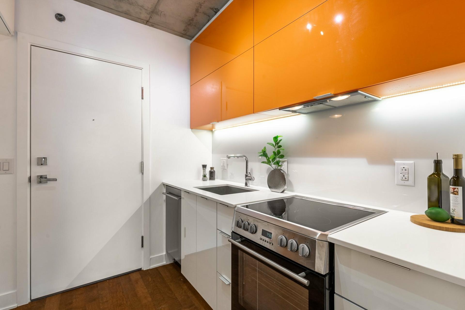image 2 - Apartment For rent Le Sud-Ouest Montréal  - 2 rooms