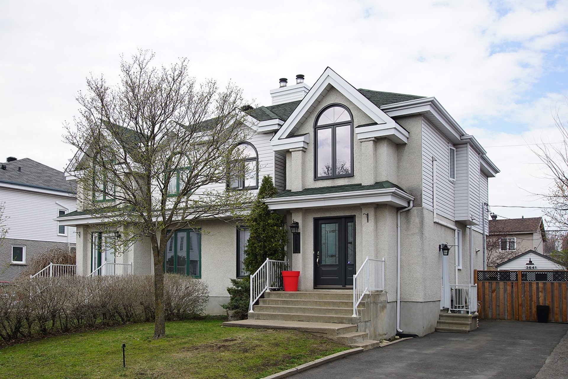 image 0 - House For sale Le Vieux-Longueuil Longueuil  - 12 rooms