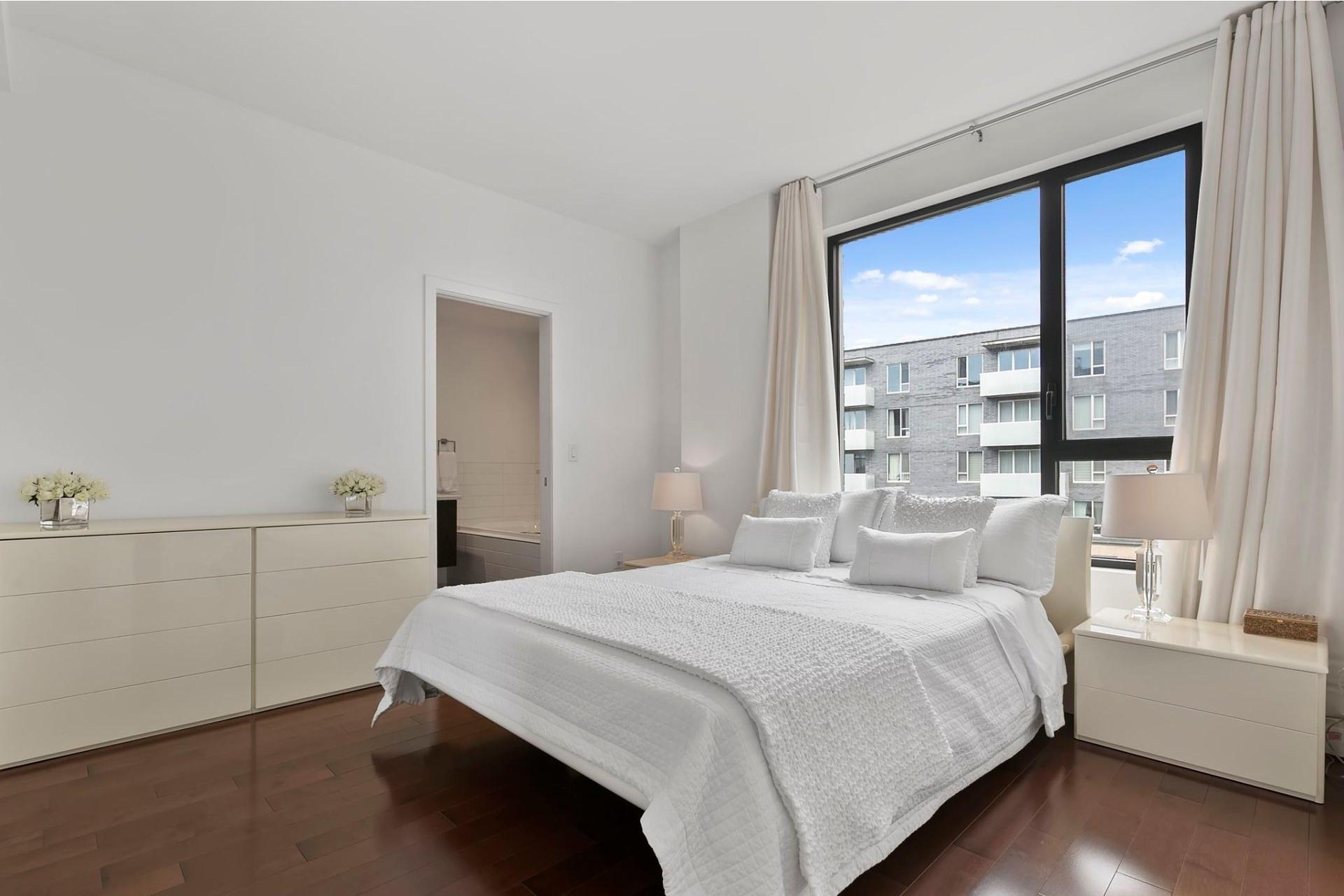 image 0 - Apartment For sale Côte-des-Neiges/Notre-Dame-de-Grâce Montréal  - 8 rooms