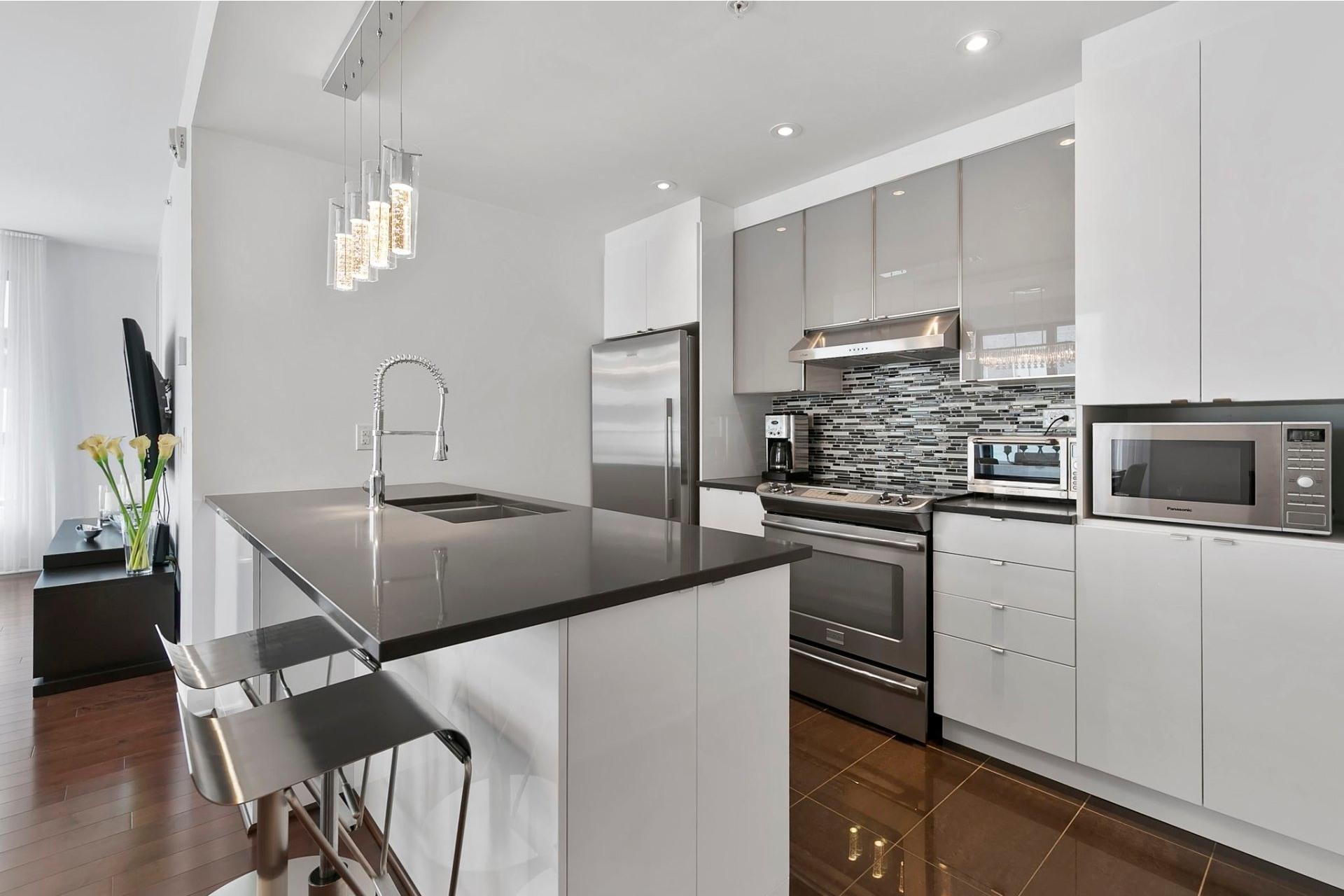 image 12 - Apartment For sale Côte-des-Neiges/Notre-Dame-de-Grâce Montréal  - 8 rooms