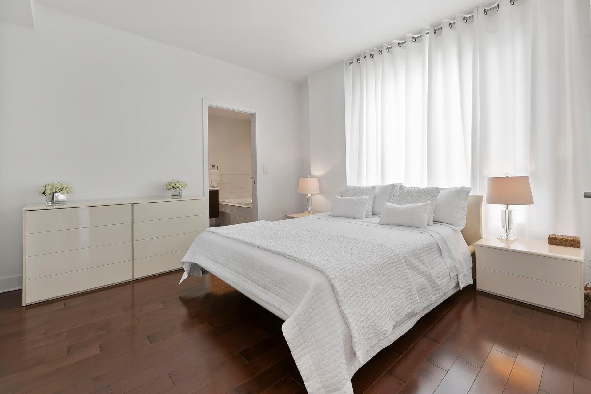 image 2 - Apartment For sale Côte-des-Neiges/Notre-Dame-de-Grâce Montréal  - 8 rooms