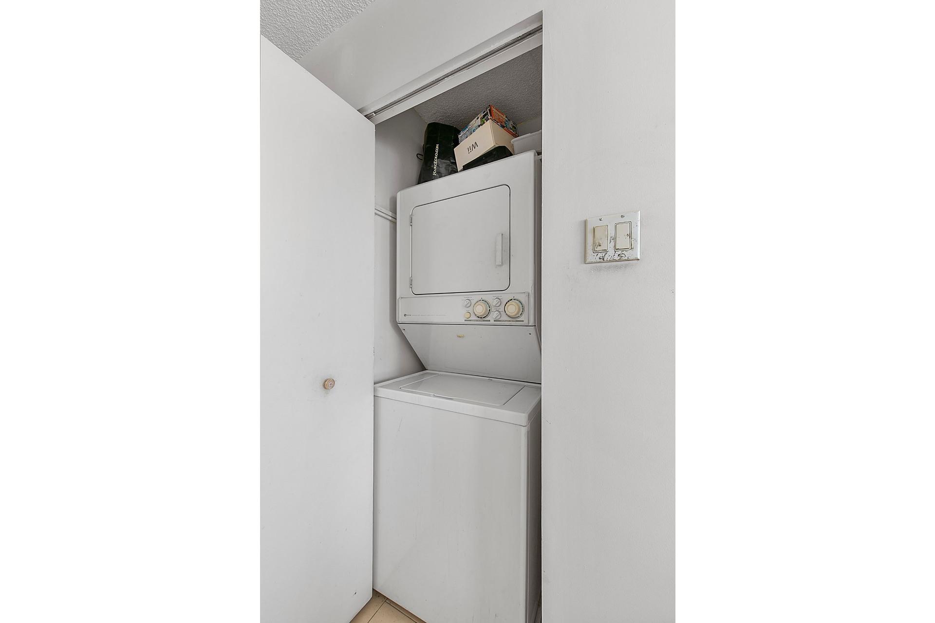 image 17 - Appartement À vendre Côte-Saint-Luc - 5 pièces