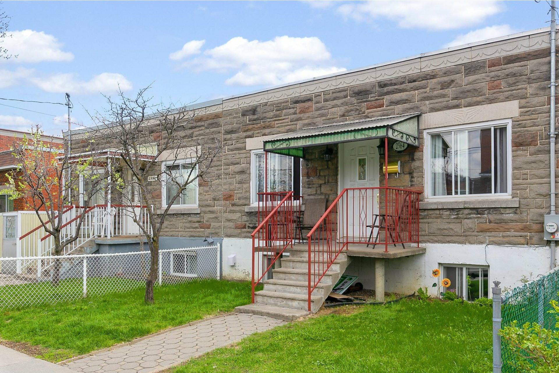 image 27 - Maison À vendre Villeray/Saint-Michel/Parc-Extension Montréal  - 10 pièces