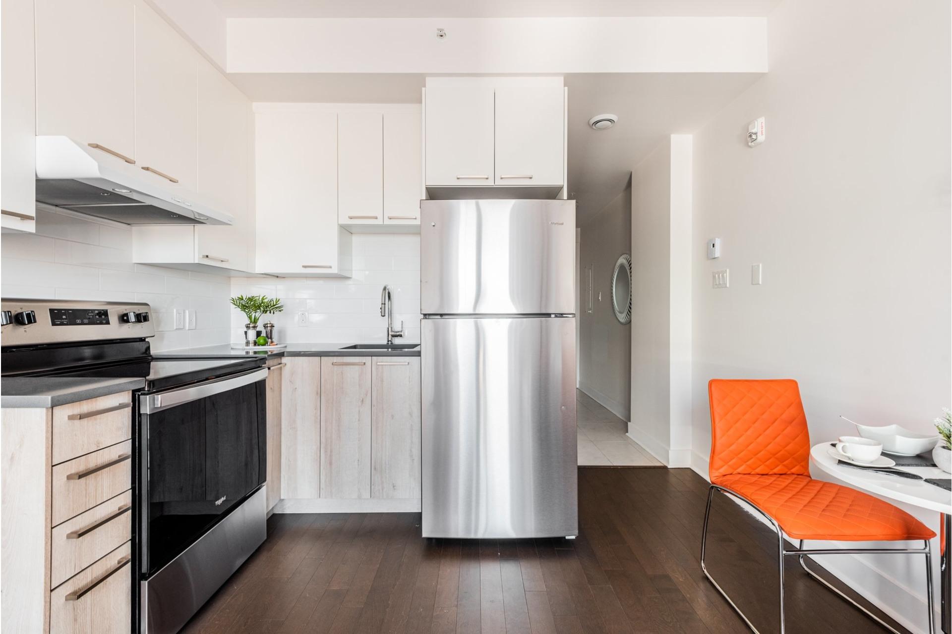 image 5 - Appartement À vendre Villeray/Saint-Michel/Parc-Extension Montréal  - 3 pièces