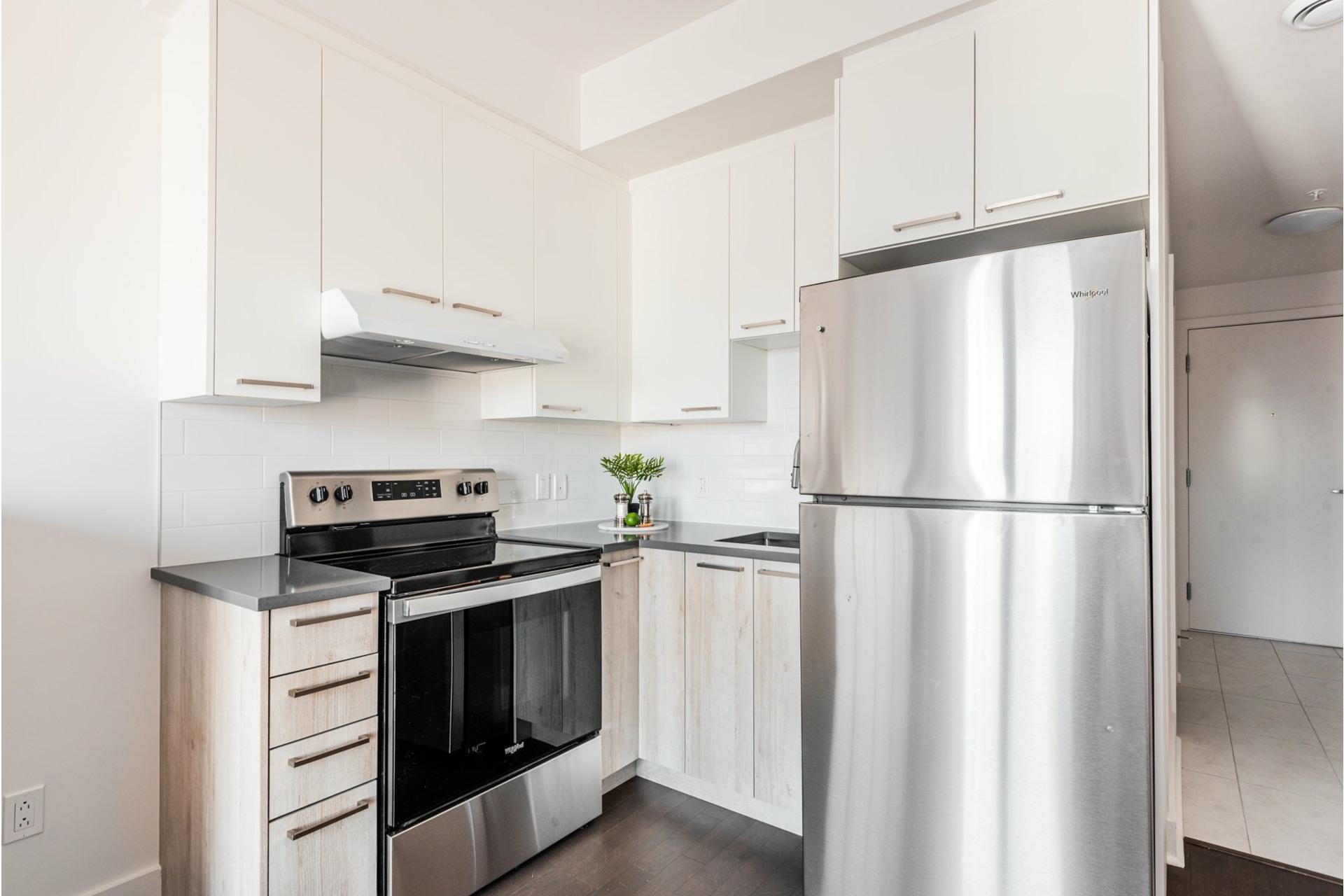 image 8 - Appartement À vendre Villeray/Saint-Michel/Parc-Extension Montréal  - 3 pièces