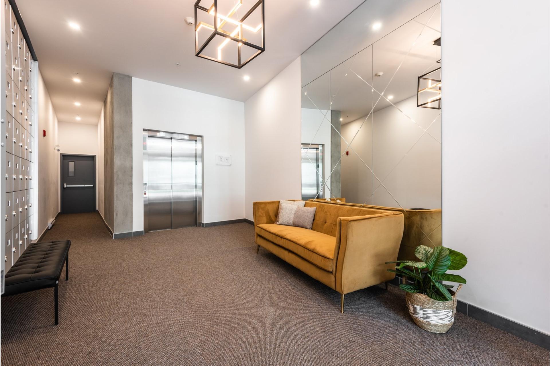 image 13 - Appartement À vendre Villeray/Saint-Michel/Parc-Extension Montréal  - 3 pièces