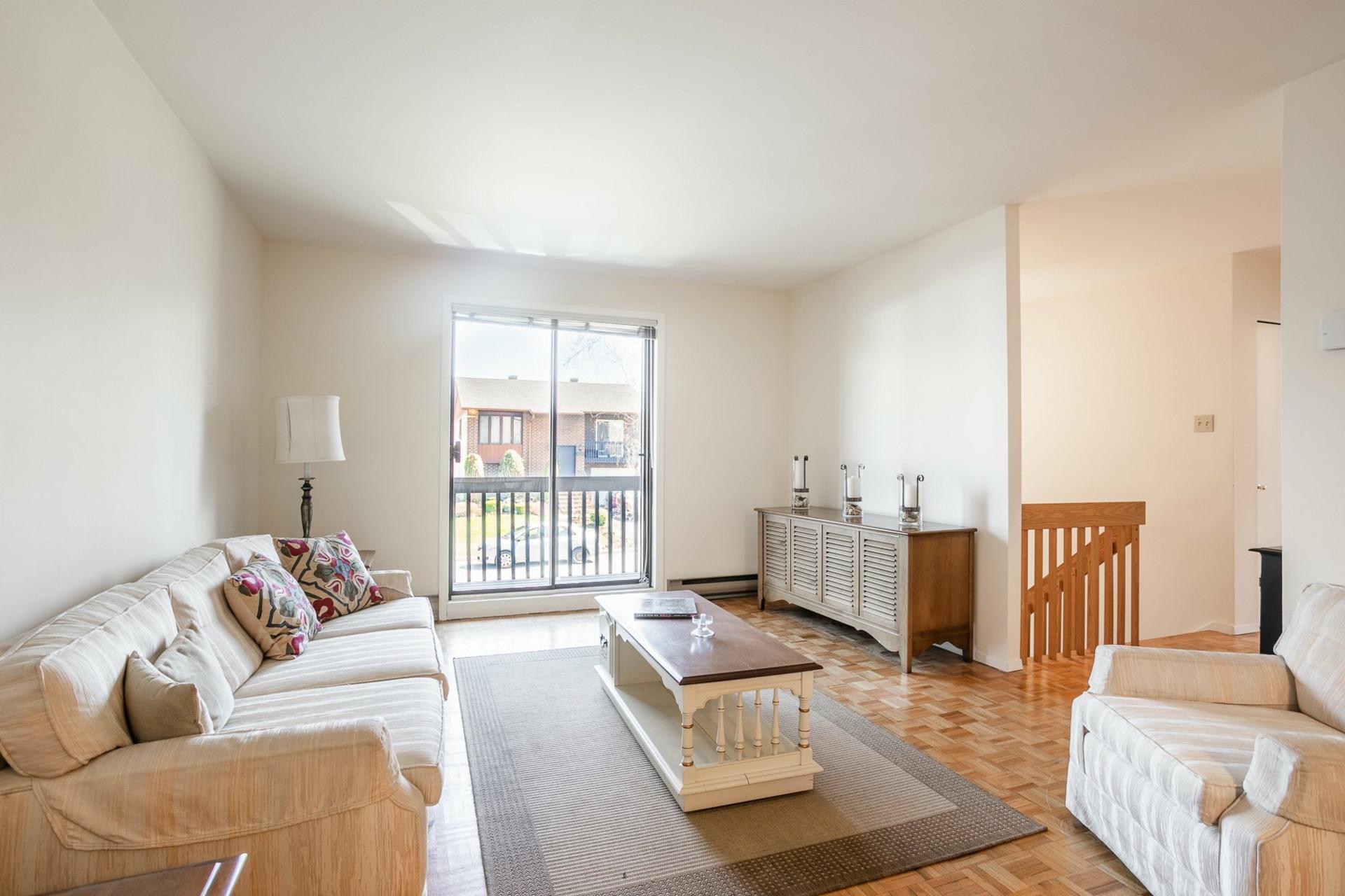 image 1 - House For sale Pierrefonds-Roxboro Montréal  - 8 rooms