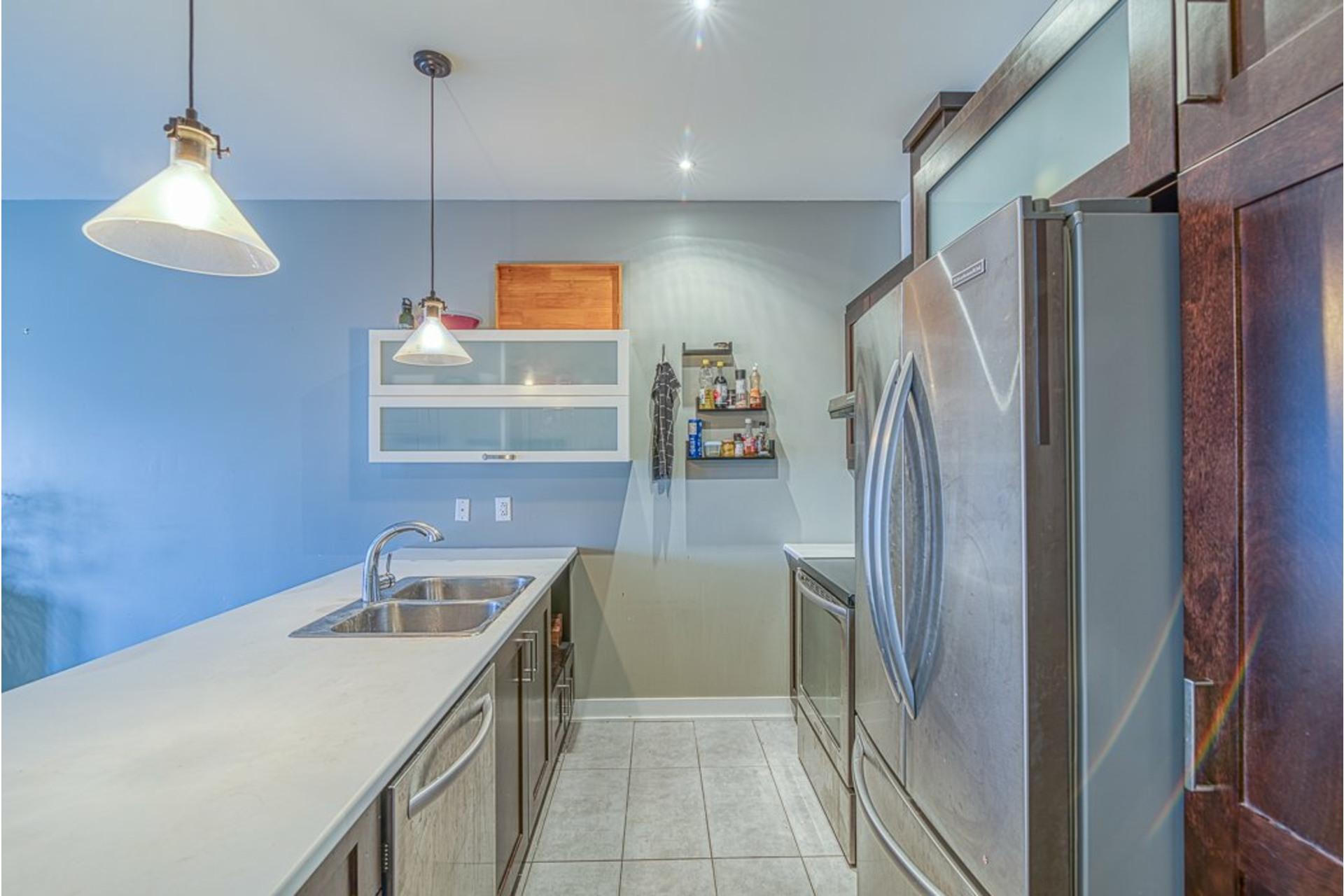image 9 - Appartement À vendre Villeray/Saint-Michel/Parc-Extension Montréal  - 6 pièces
