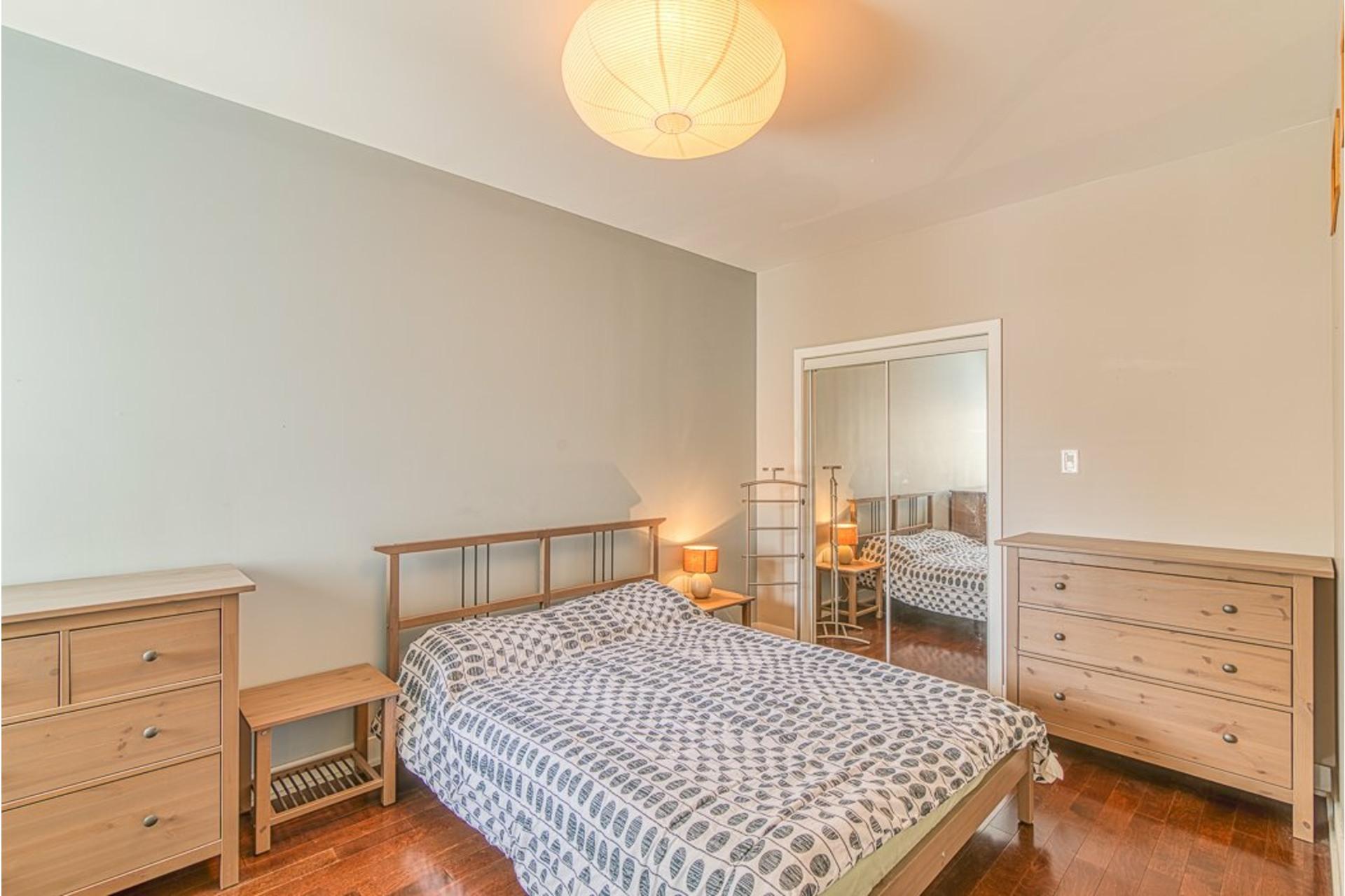 image 16 - Appartement À vendre Villeray/Saint-Michel/Parc-Extension Montréal  - 6 pièces