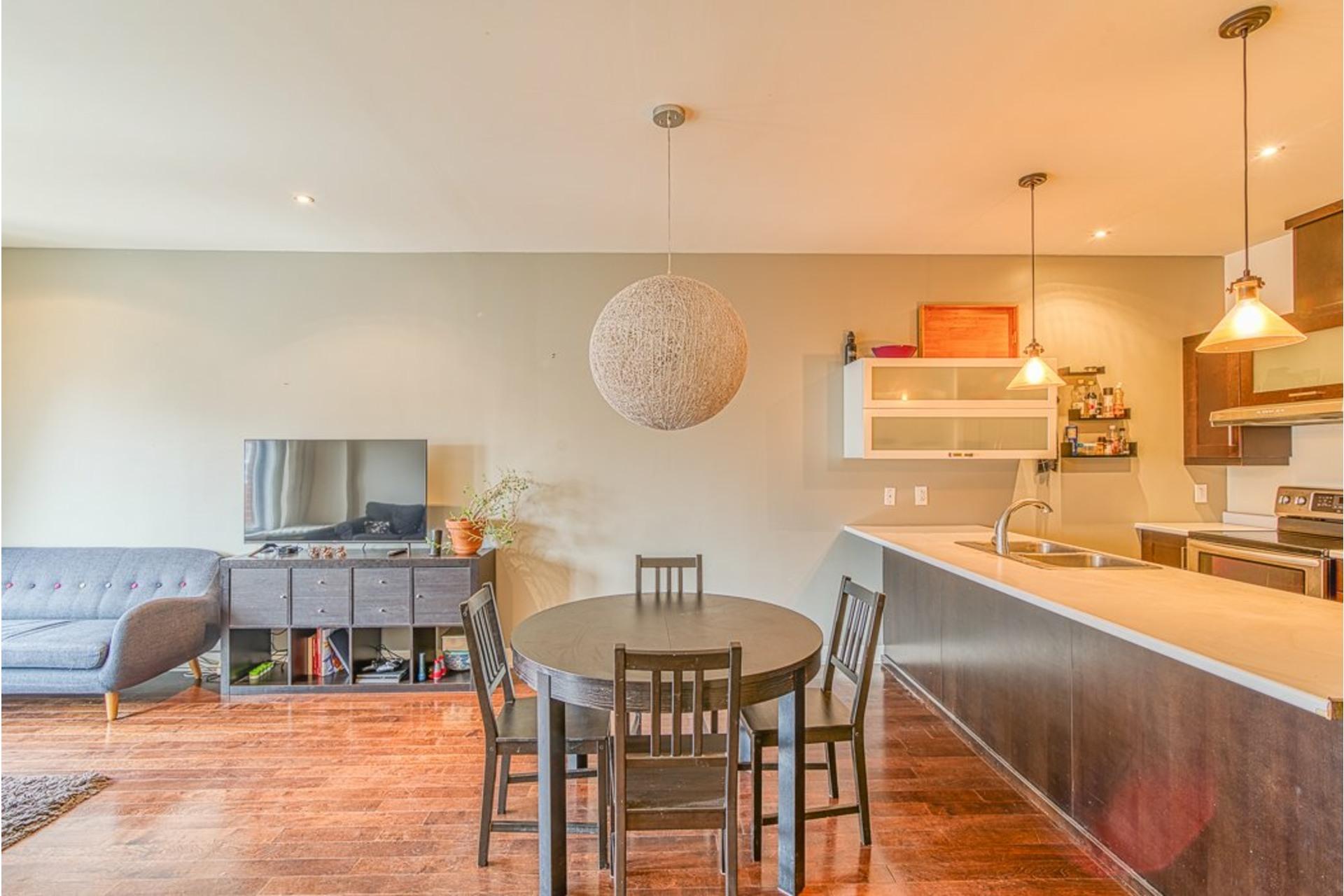 image 6 - Appartement À vendre Villeray/Saint-Michel/Parc-Extension Montréal  - 6 pièces