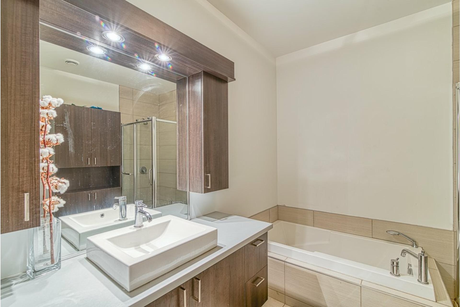 image 21 - Appartement À vendre Villeray/Saint-Michel/Parc-Extension Montréal  - 6 pièces