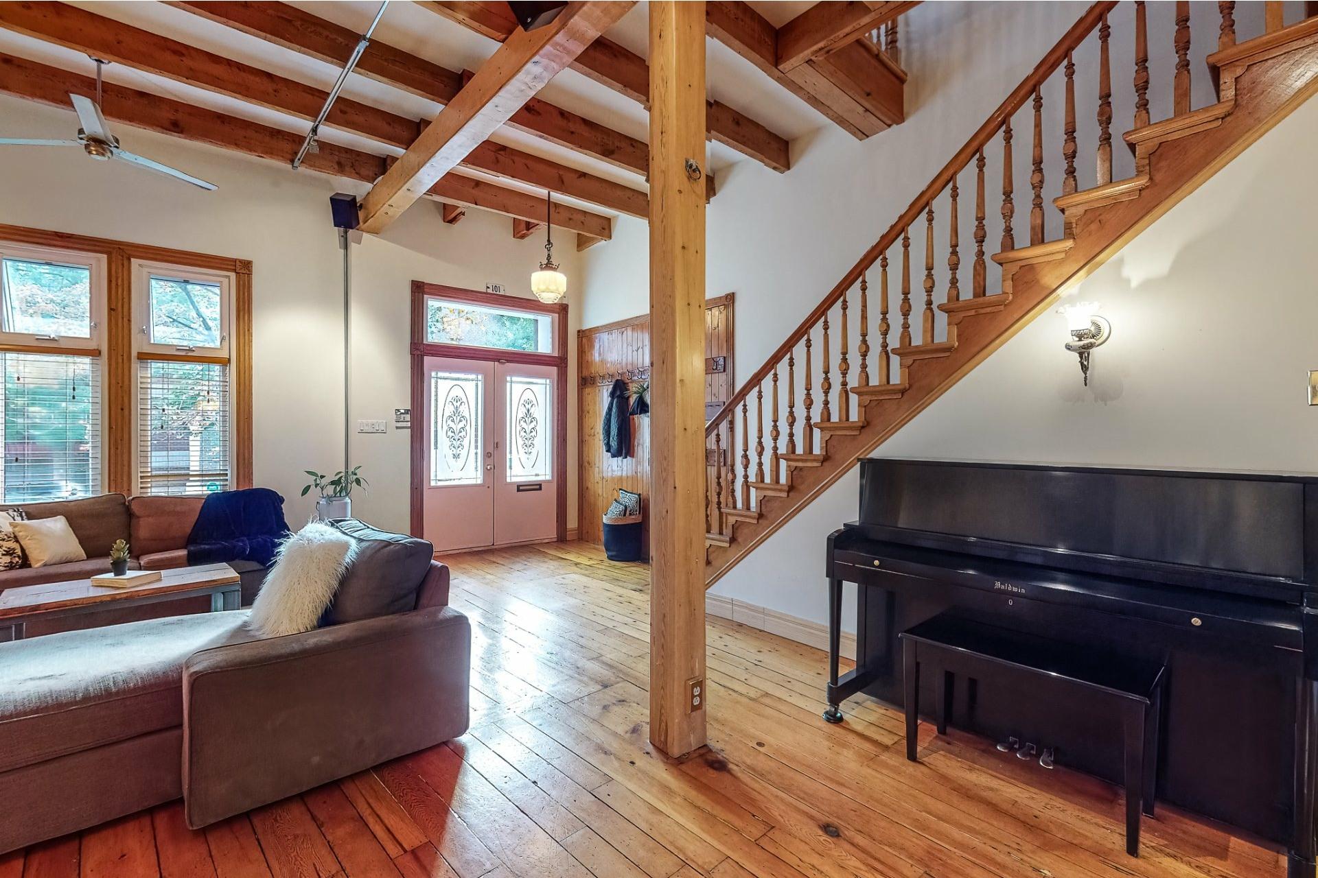 image 2 - House For sale Le Sud-Ouest Montréal  - 10 rooms