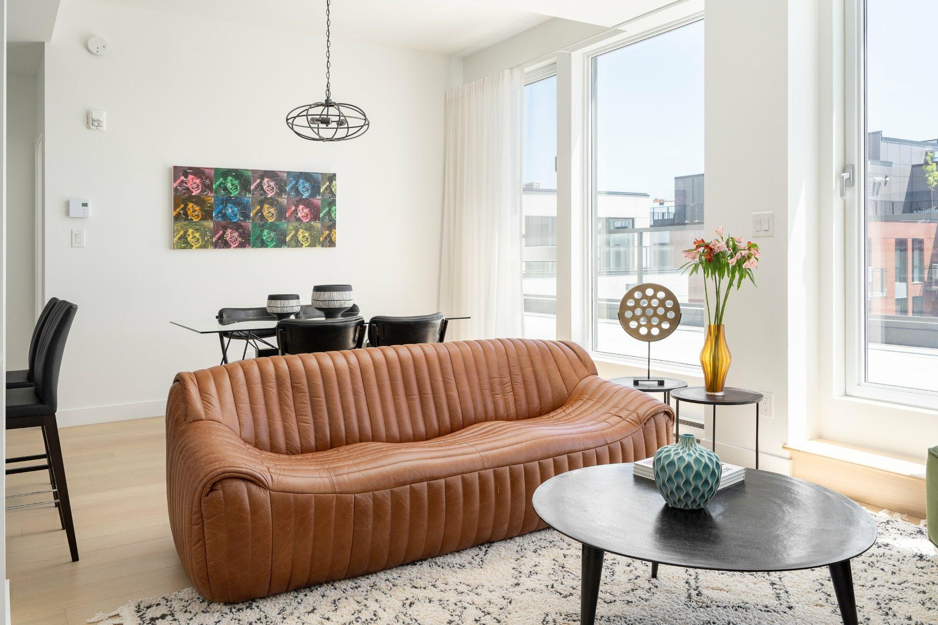 image 1 - Appartement À louer Le Sud-Ouest Montréal  - 8 pièces