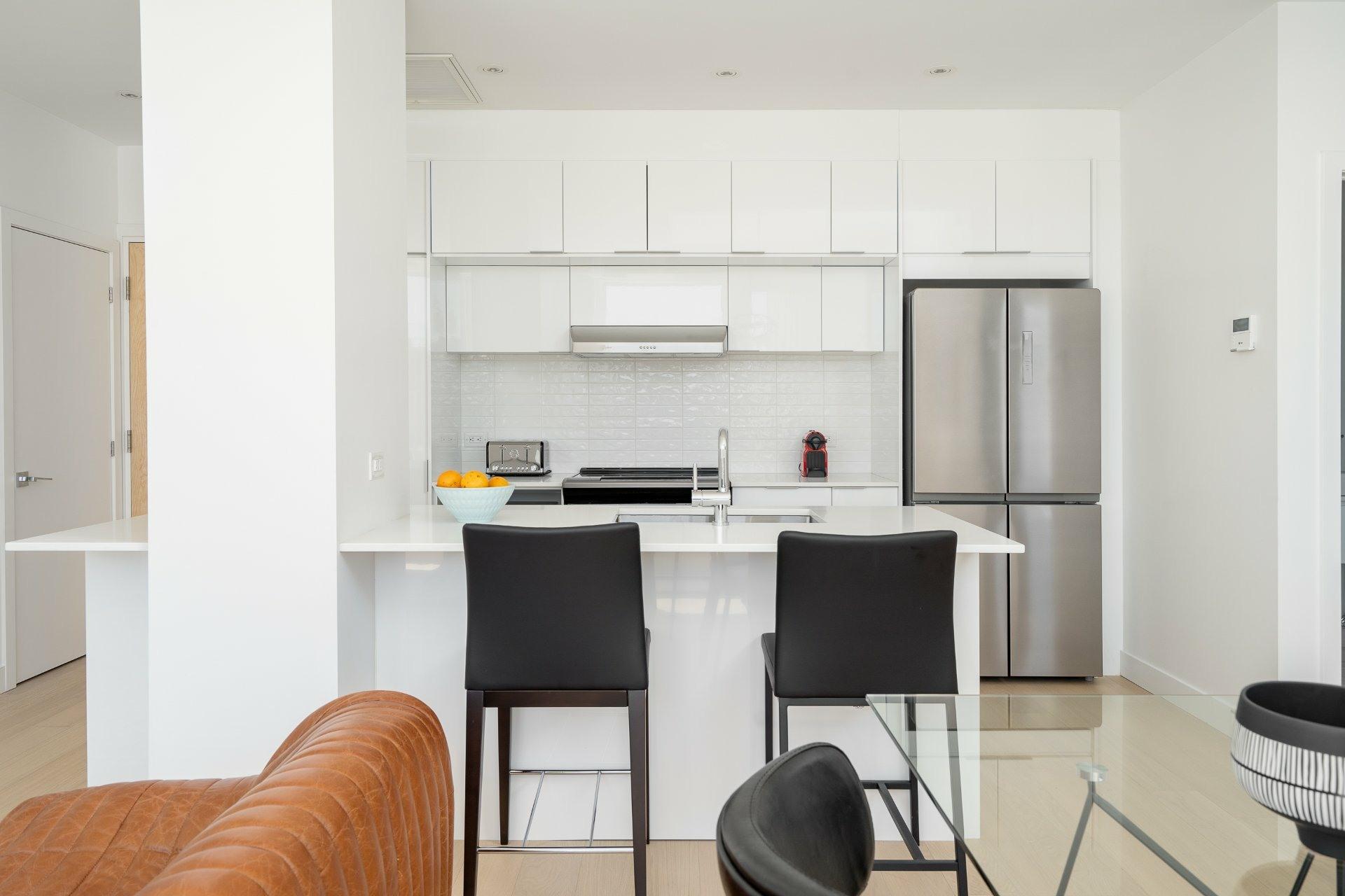 image 2 - Appartement À louer Le Sud-Ouest Montréal  - 8 pièces