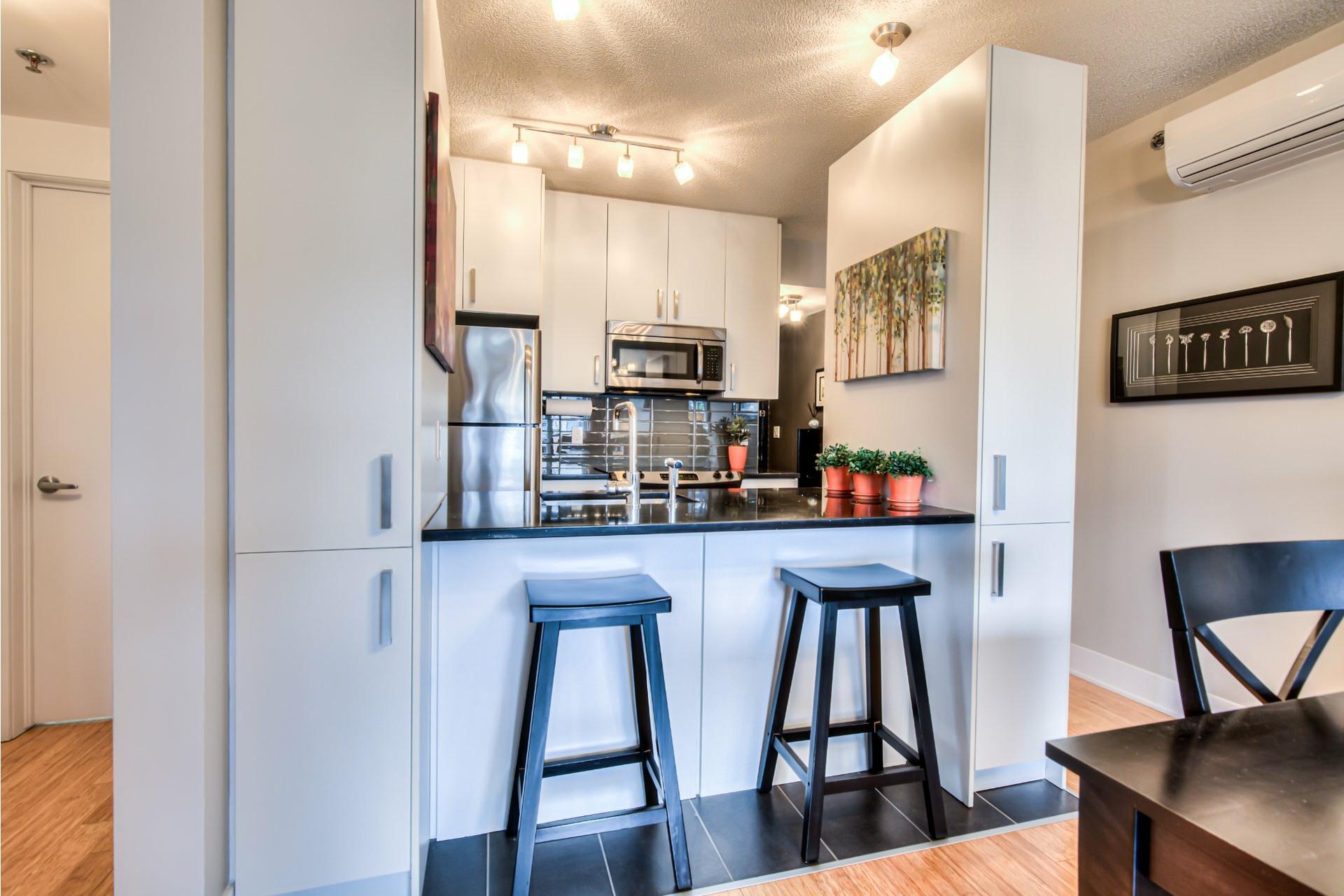 image 6 - Appartement À vendre Ville-Marie Montréal  - 7 pièces
