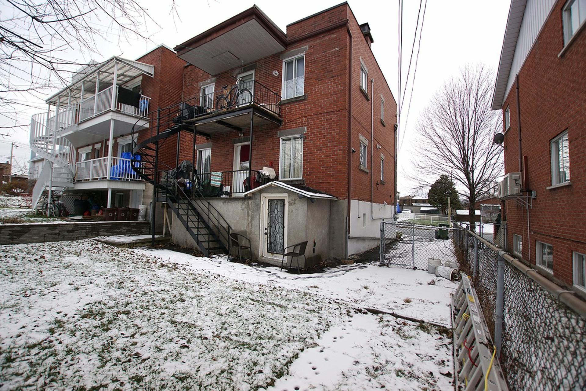 image 46 - Duplex For sale Rivière-des-Prairies/Pointe-aux-Trembles Montréal  - 4 rooms