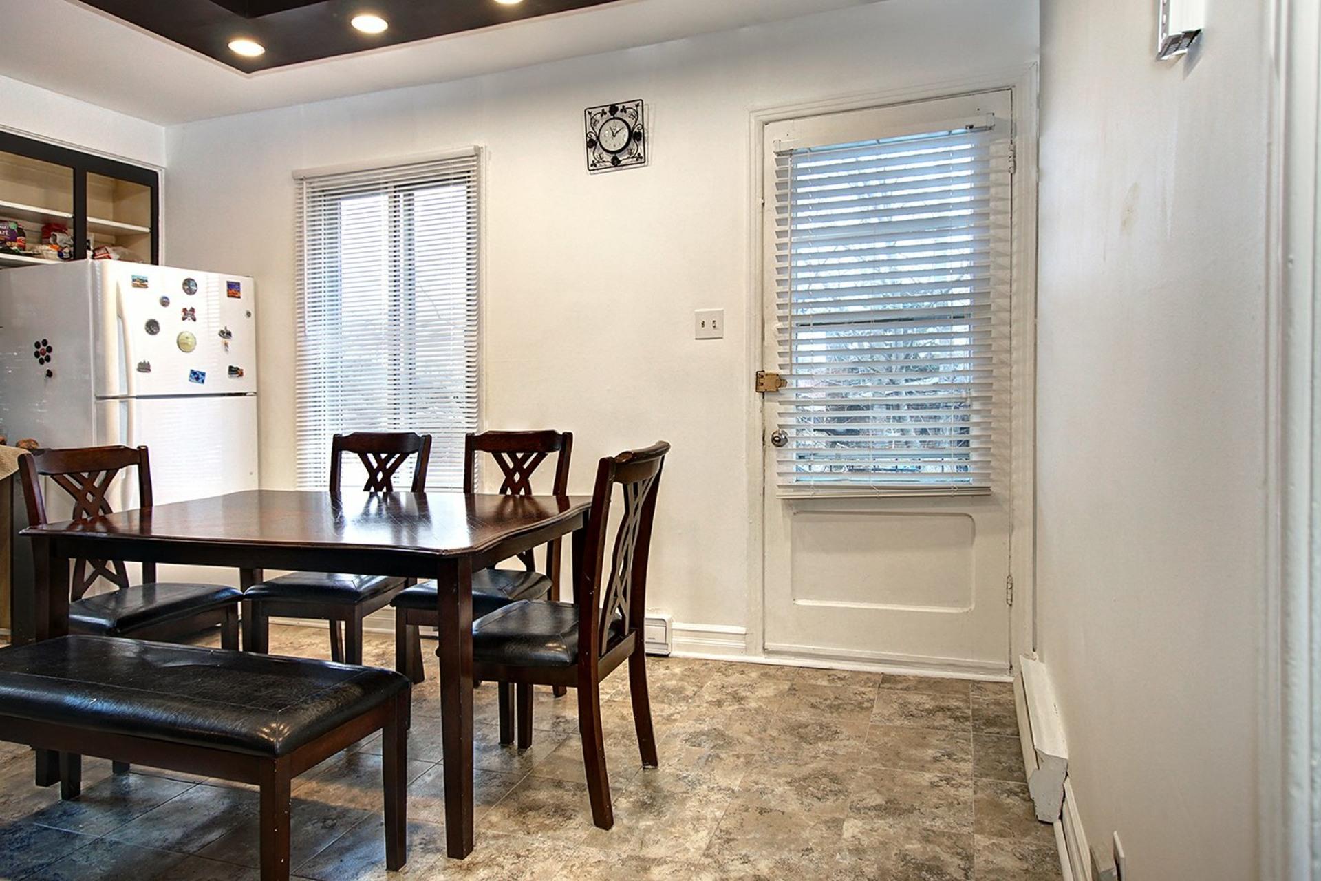 image 6 - Duplex For sale Rivière-des-Prairies/Pointe-aux-Trembles Montréal  - 4 rooms